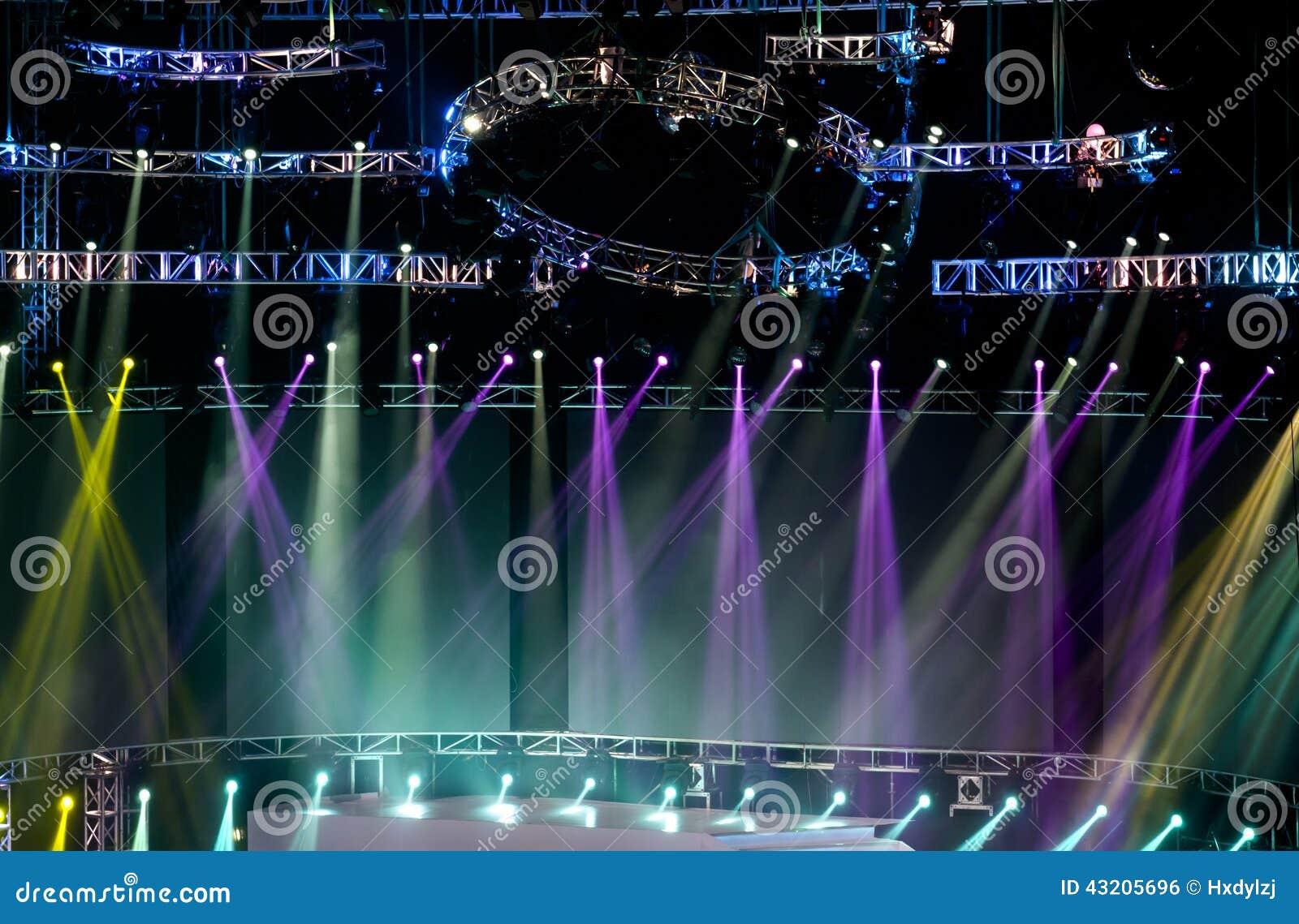 Download Laser-strålar Riktar Uppmärksamheten På Etappen Stock Illustrationer - Illustration av live, färg: 43205696