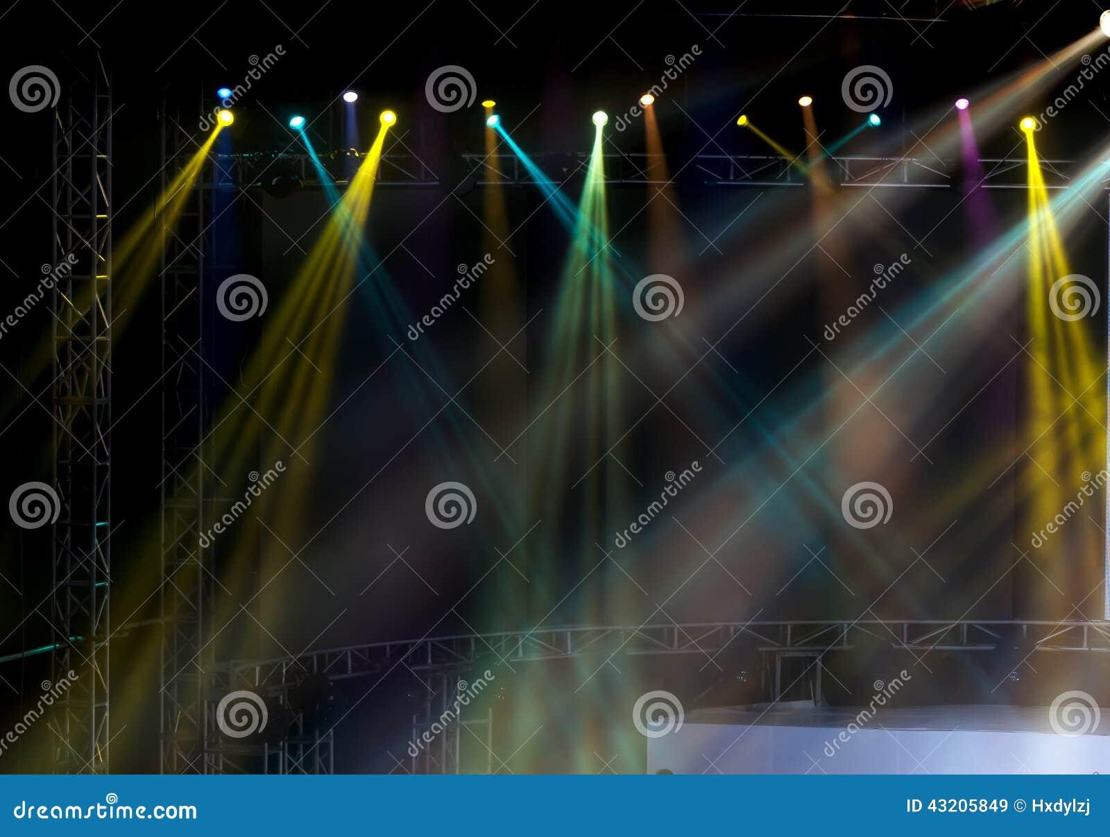 Download Laser-strålar Riktar Uppmärksamheten På Etappen Stock Illustrationer - Illustration av brigham, konsert: 43205849