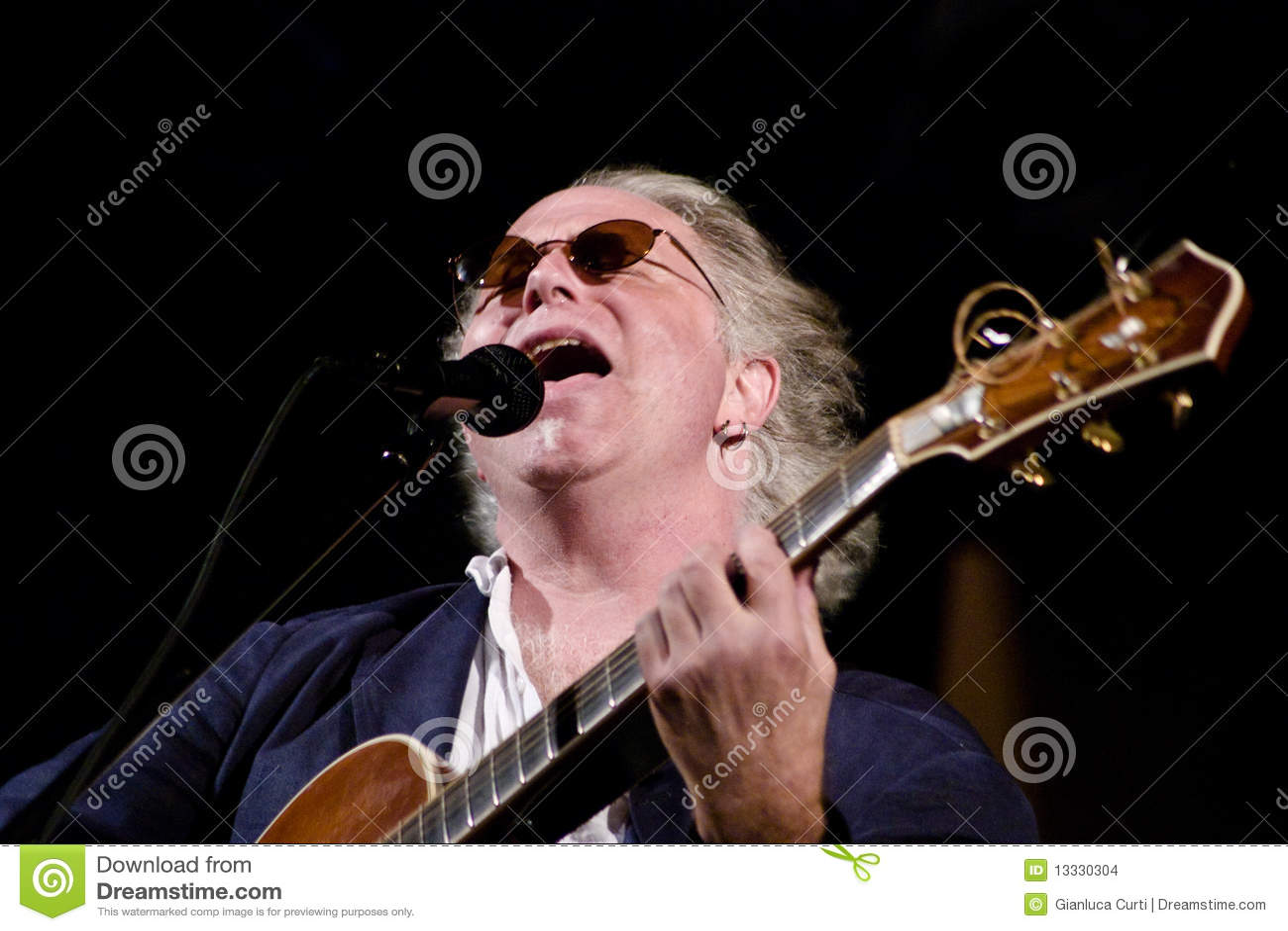 Lasque Wilson no estágio no festival de jazz de Úmbria