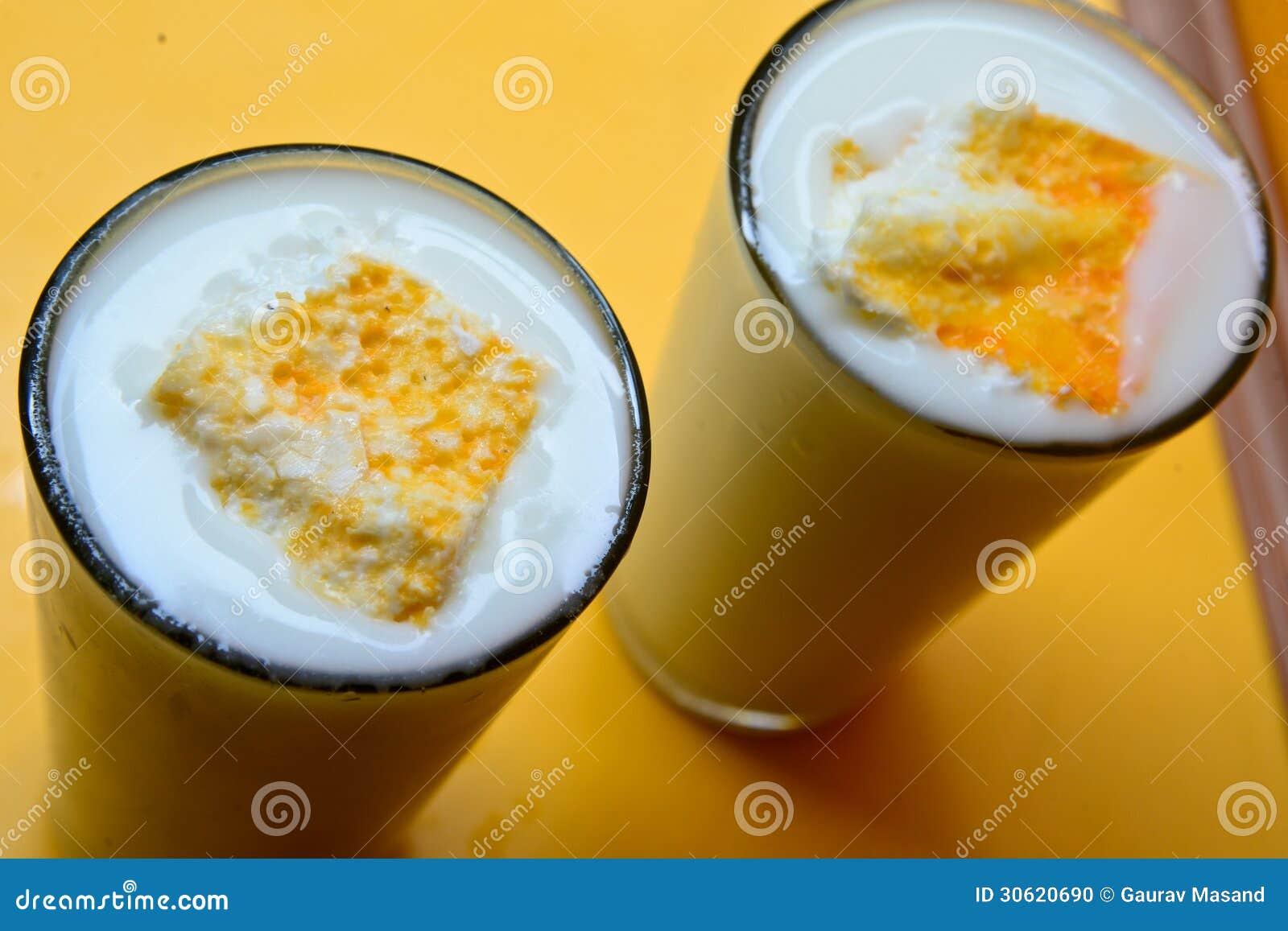 Lassi, indisches Getränk stockfoto. Bild von inside, wasser - 30620690