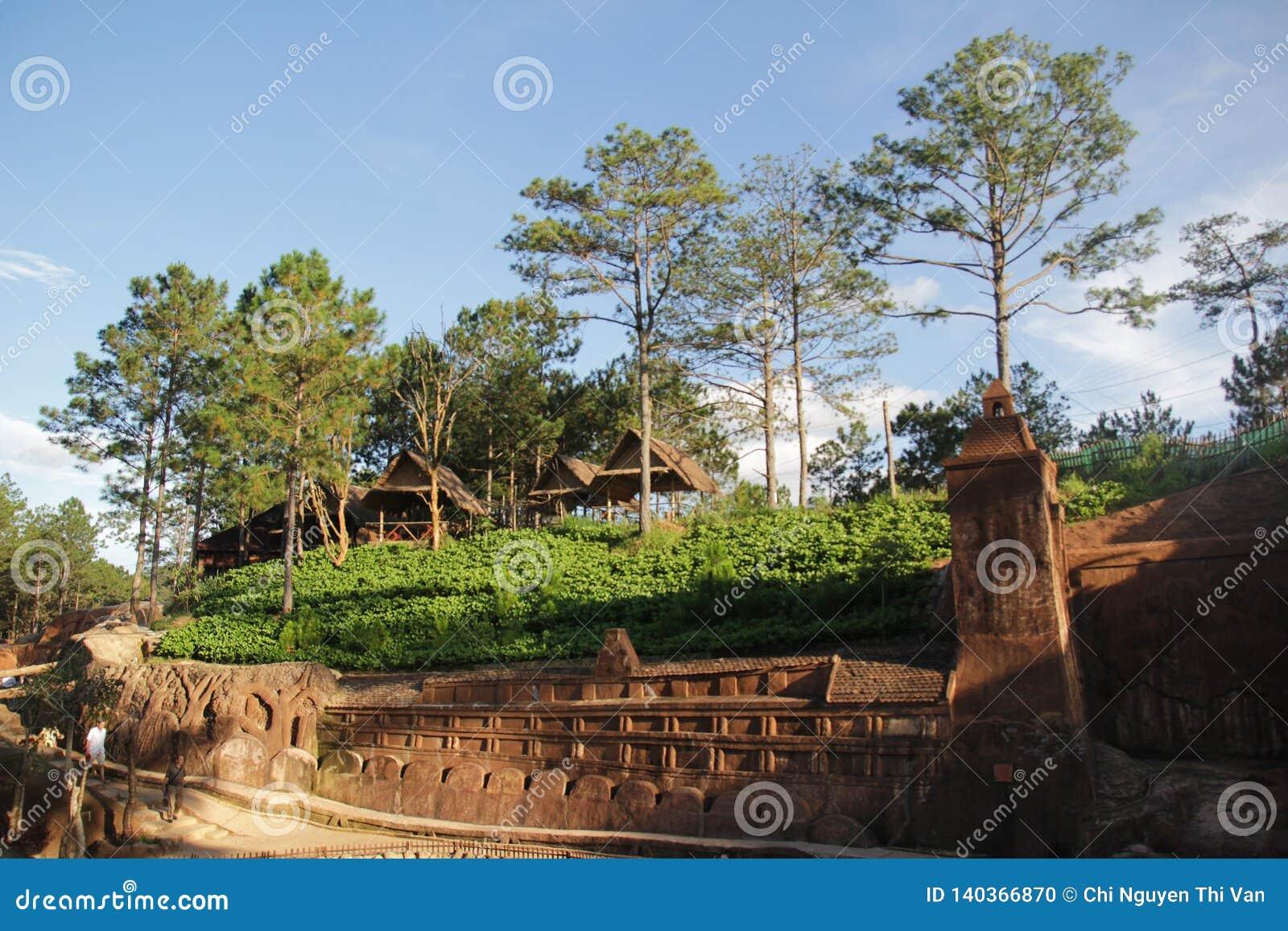 Lat du DA, Vietnam - novembre 24,2016 : Beau landscate avec l arbre sur la montagne
