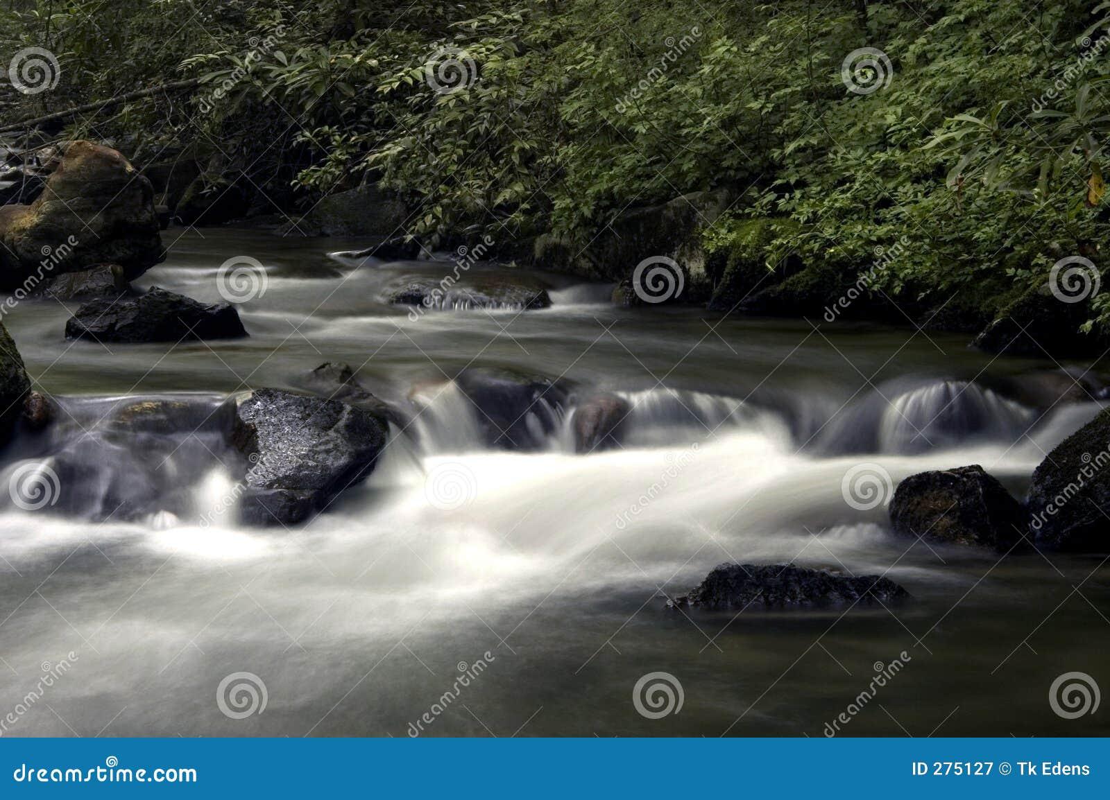Lat flod