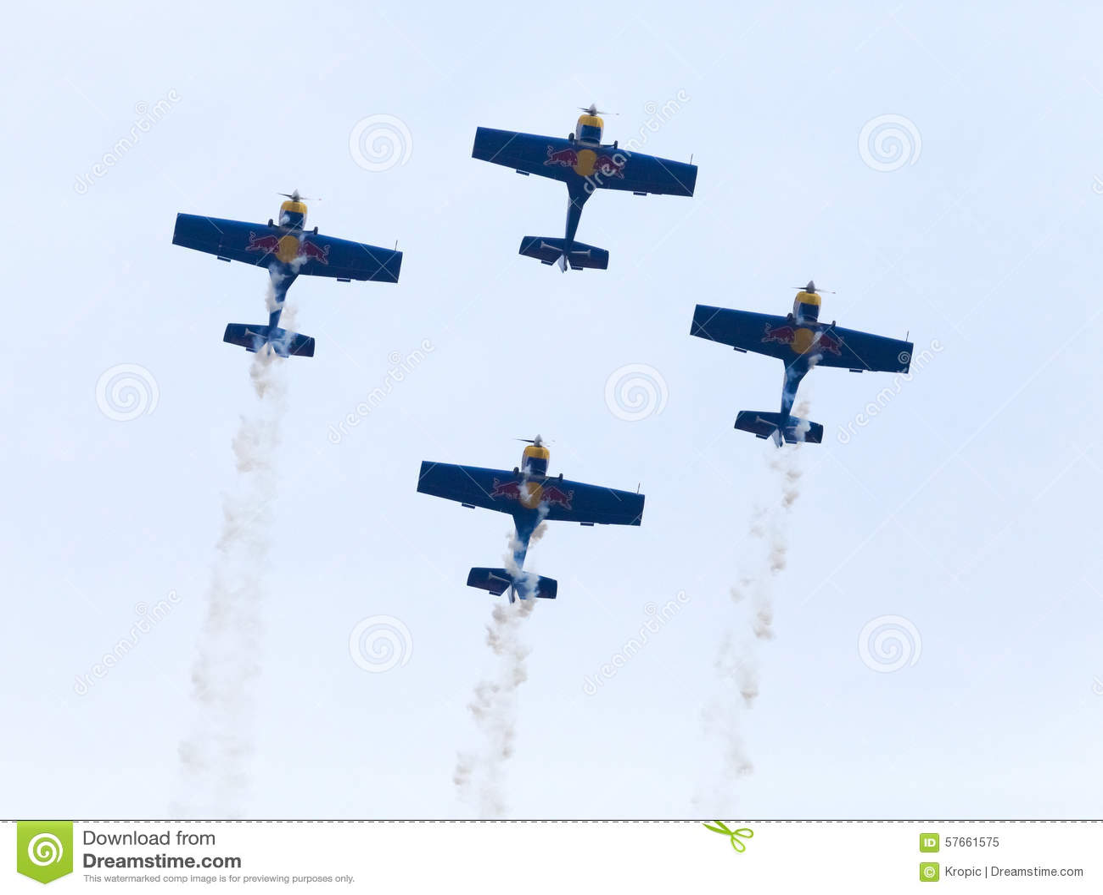Latająca byków Aerobatics drużyna na Airshow