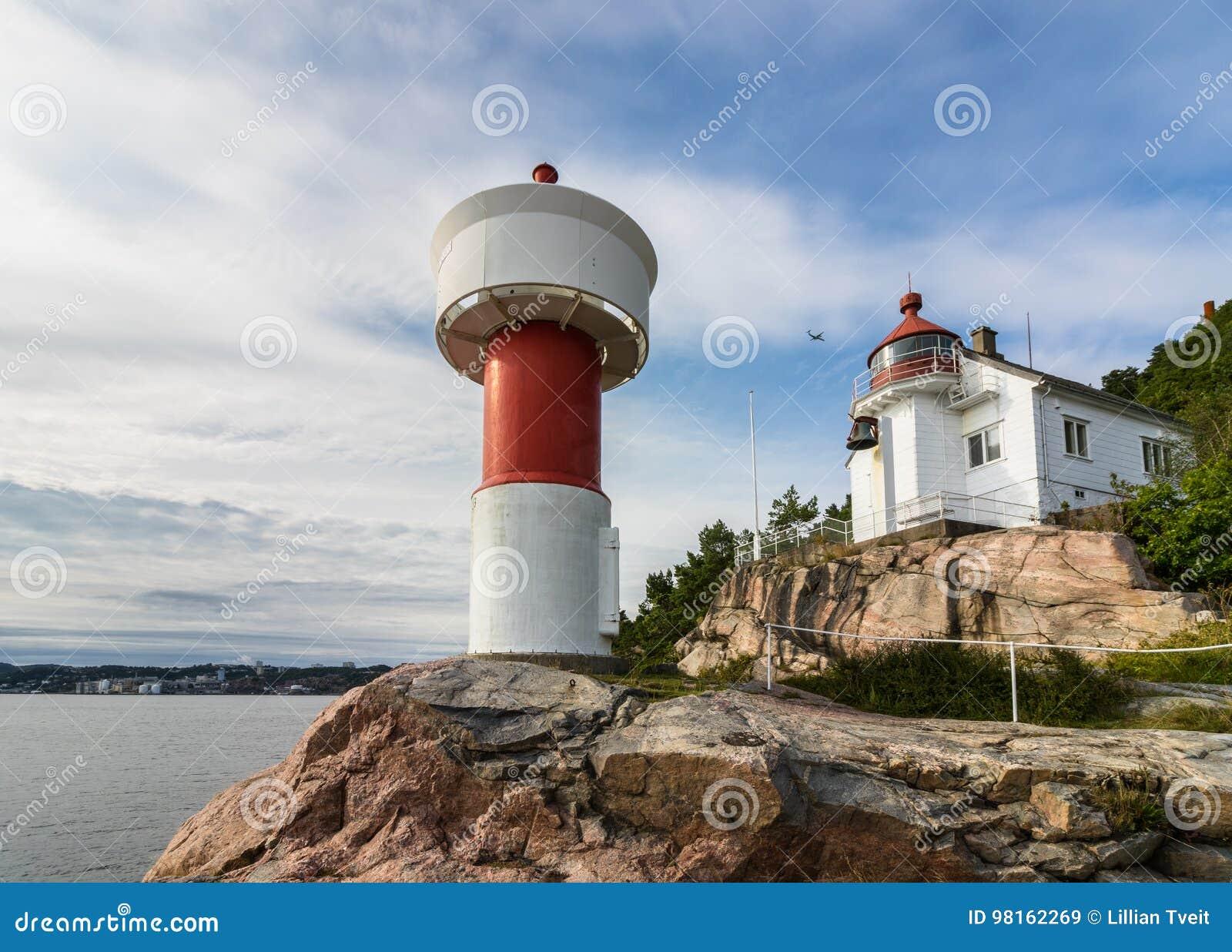 Latarnia morska przy Odderoya w Kristiansand, Norwegia