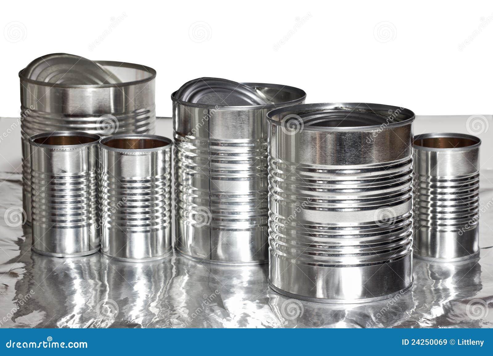 Latas De Aluminio Imagen De Archivo. Imagen De Metal
