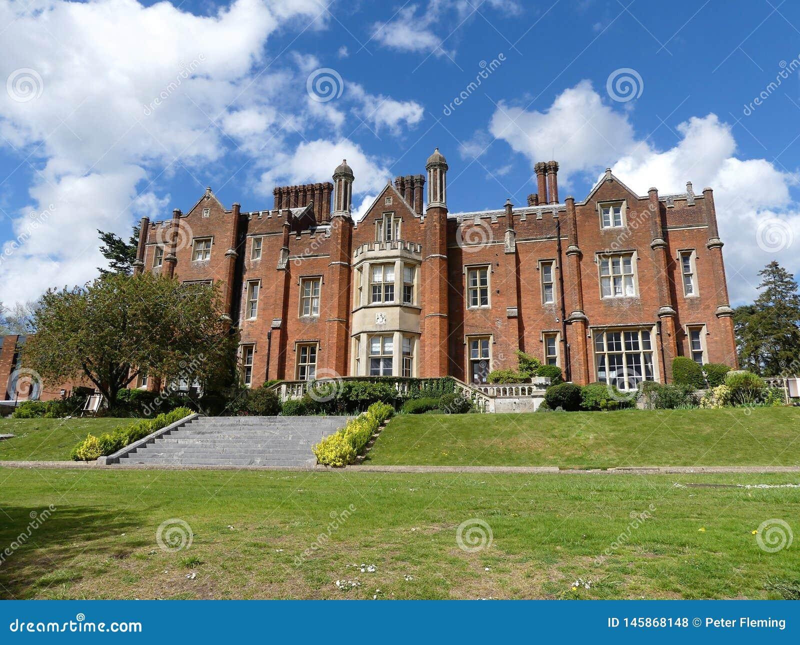 Latimer-Haus eine Tudorstilvilla, vorher das Haus vom britischen Nationalverteidigungs-College