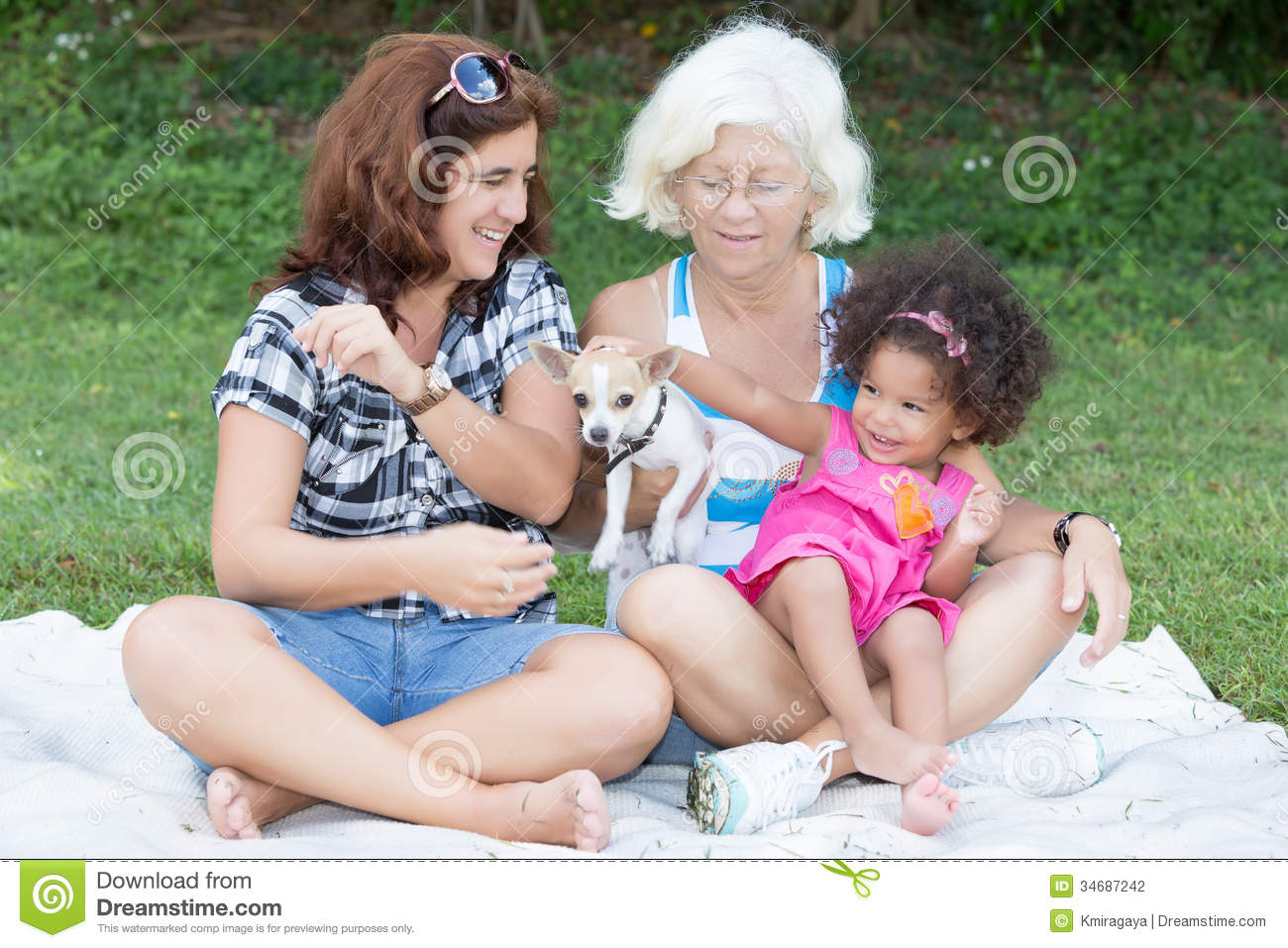 https://thumbs.dreamstime.com/z/latin-grandma-mother-daughter-camping-park-happy-family-including-grandmother-small-dog-34687242.jpg