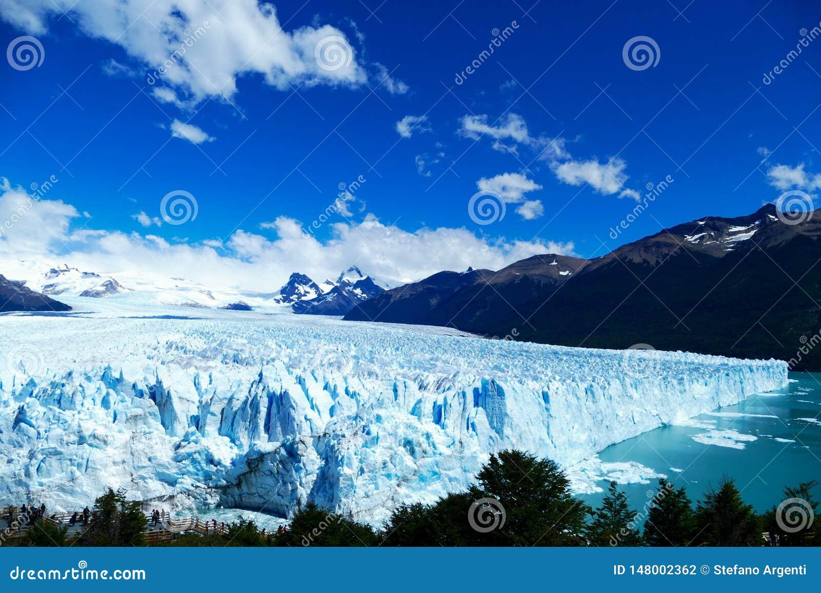 Lato e punto di vista elevato di Perito Moreno Glacier
