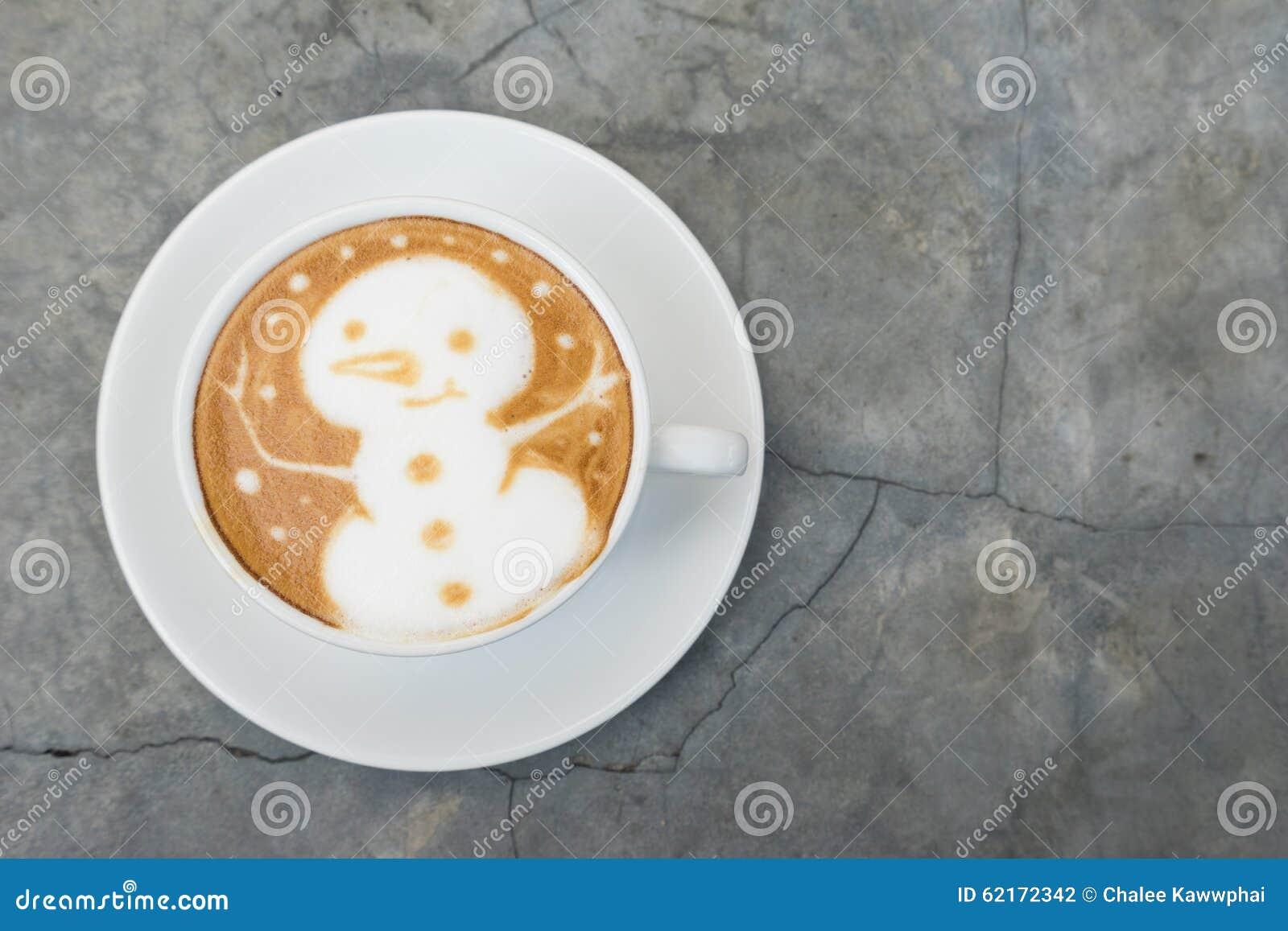 Latte Art Coffee del pupazzo di neve