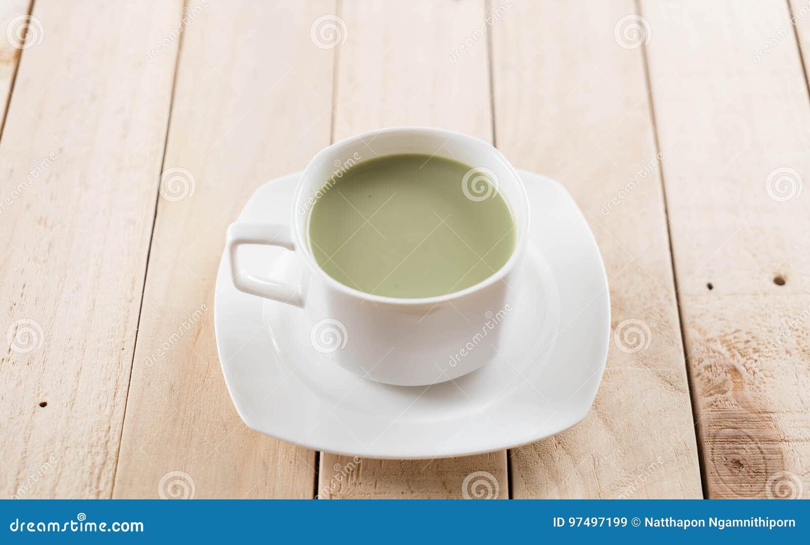 Latte caldo di matcha
