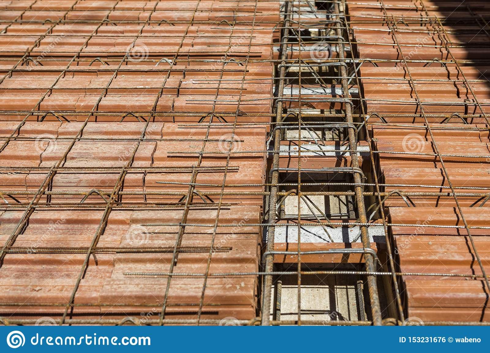 Lattice Joist For Reinforced Concrete Floor Slab And Clay Block