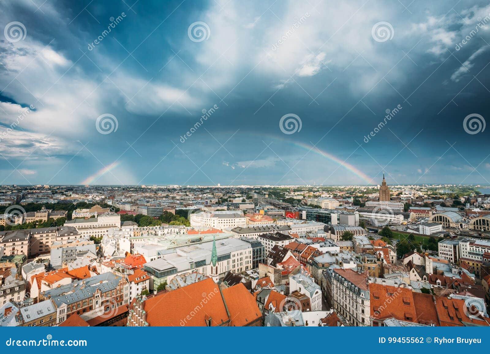 Latvia riga Byggnad av den lettiska akademin av vetenskaper som byggs på
