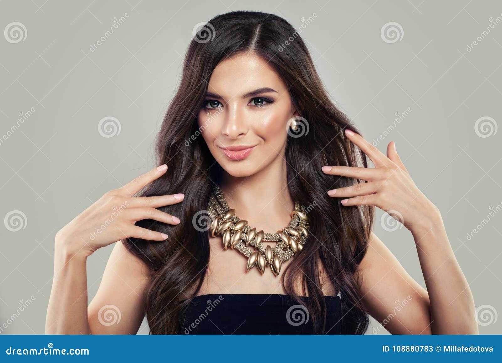 Latynoscy młodych kobiet zdrowy dziewczyna włosy