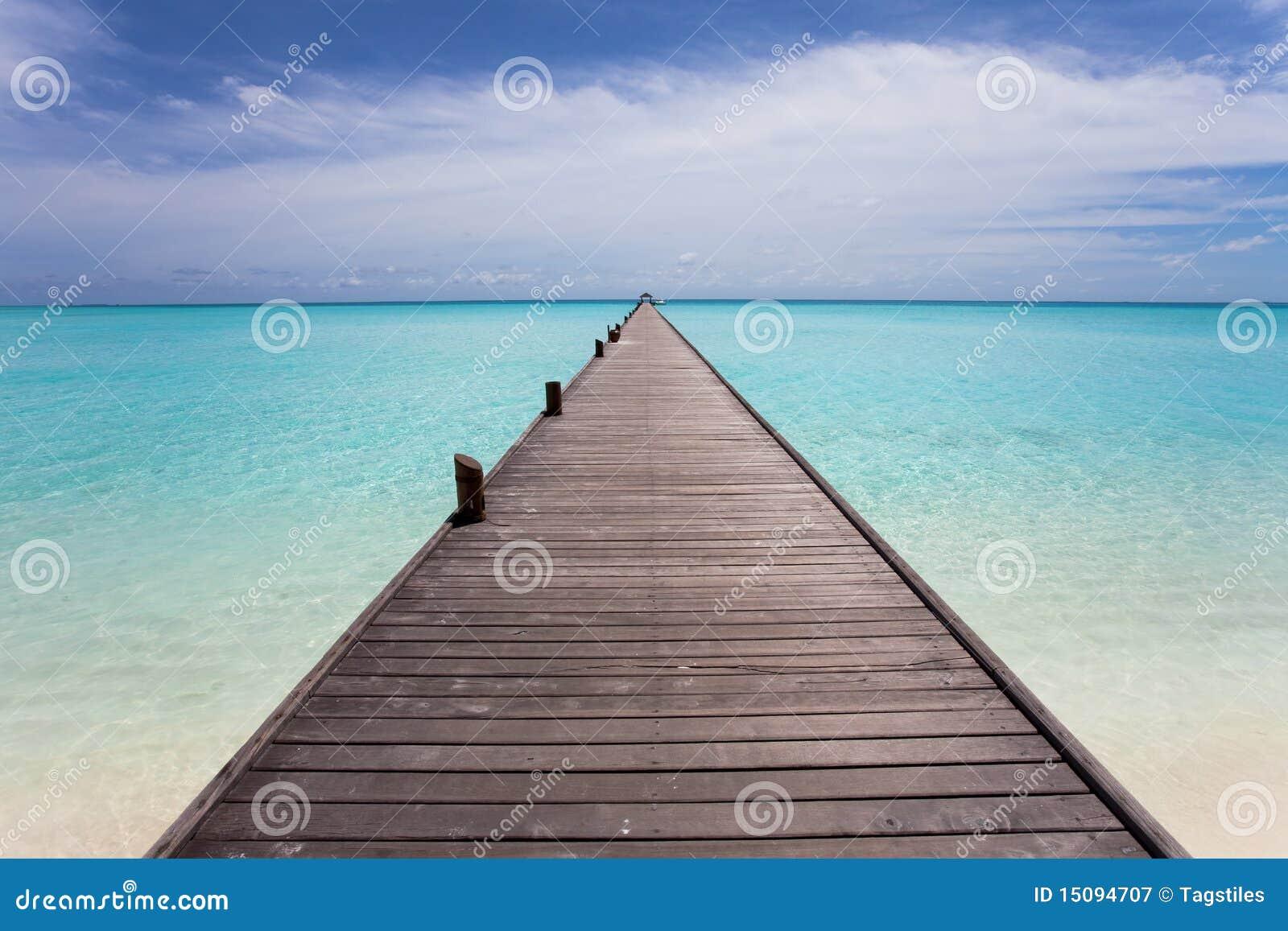 Download Laufbahn zum Horizont stockbild. Bild von blau, lang - 15094707
