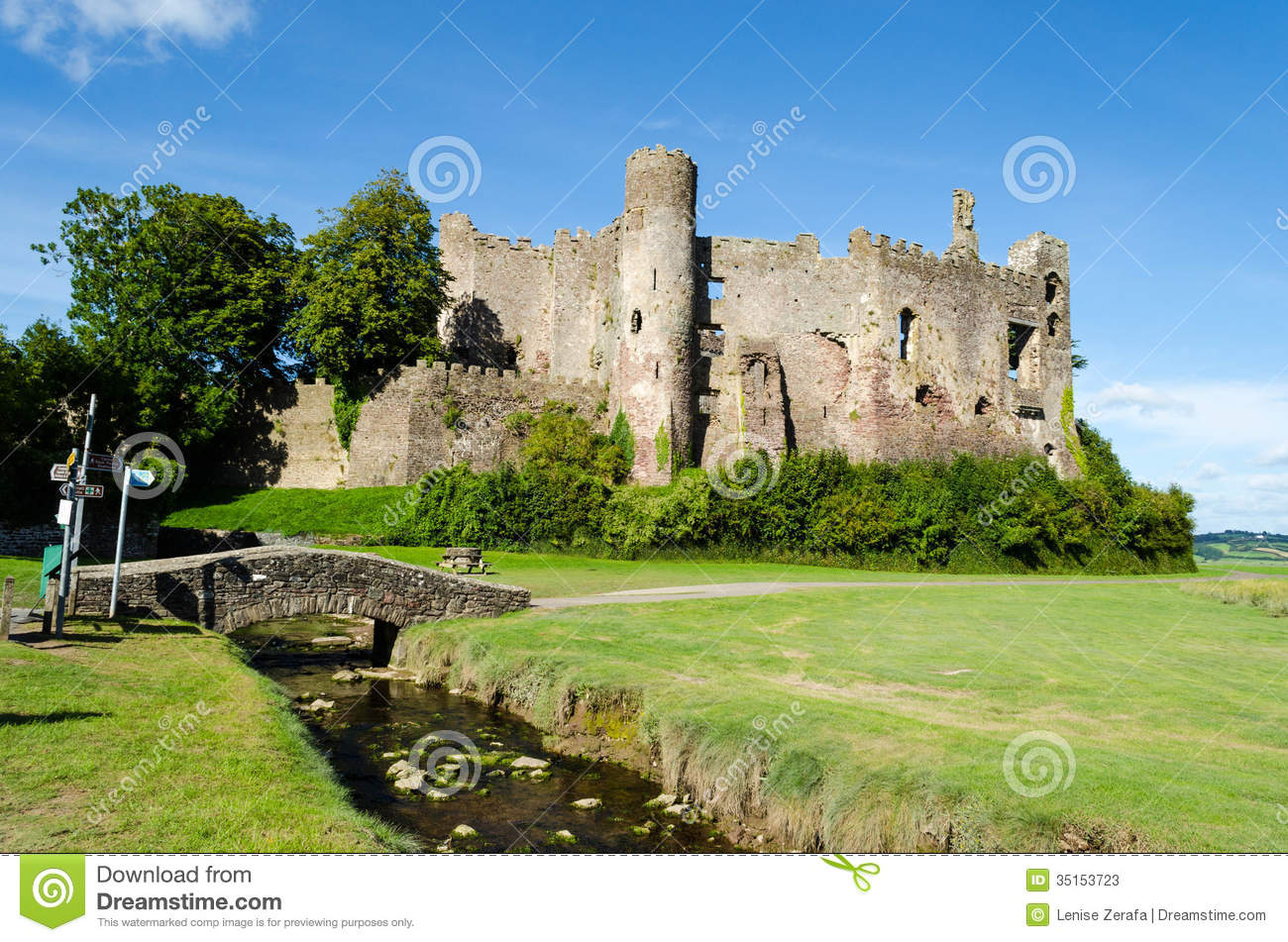 Laugharne United Kingdom  city photos gallery : ... Photos: Laugharne Castle in Carmarthenshire Wales, United Kingdom