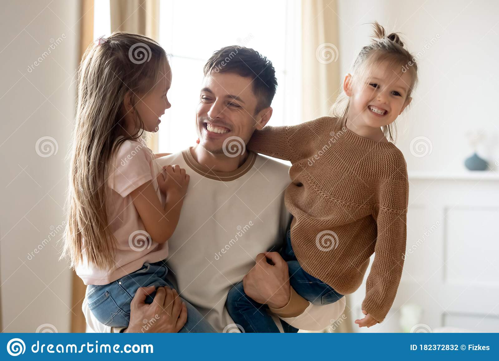 Amateur Dad Cums Daughters Ass