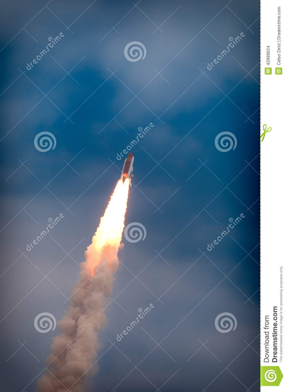 Launch Of Atlantis-STS-135 Stock Photo - Image: 42999624