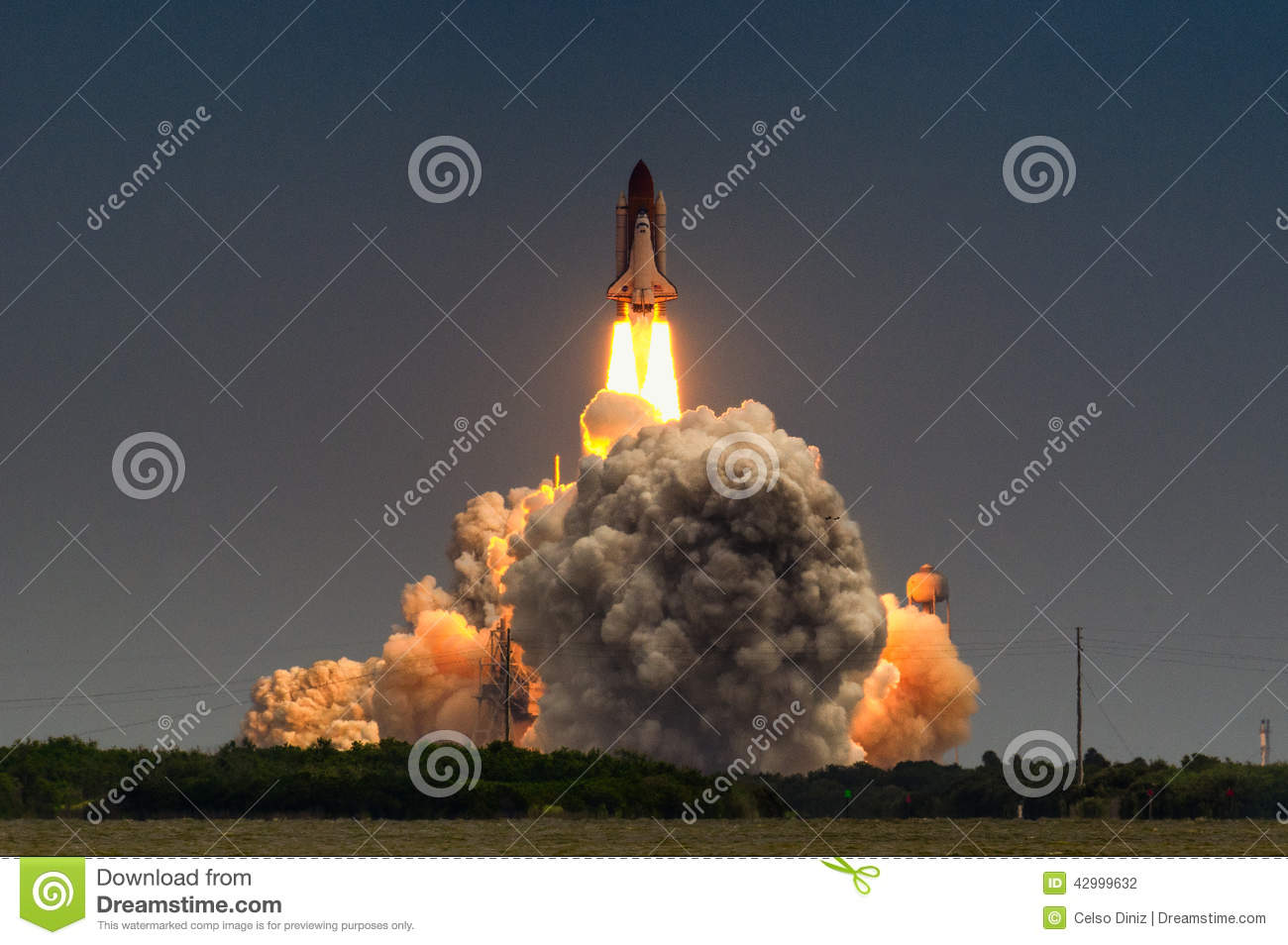 Launch Of Atlantis-STS-135 Stock Photo - Image: 42999632