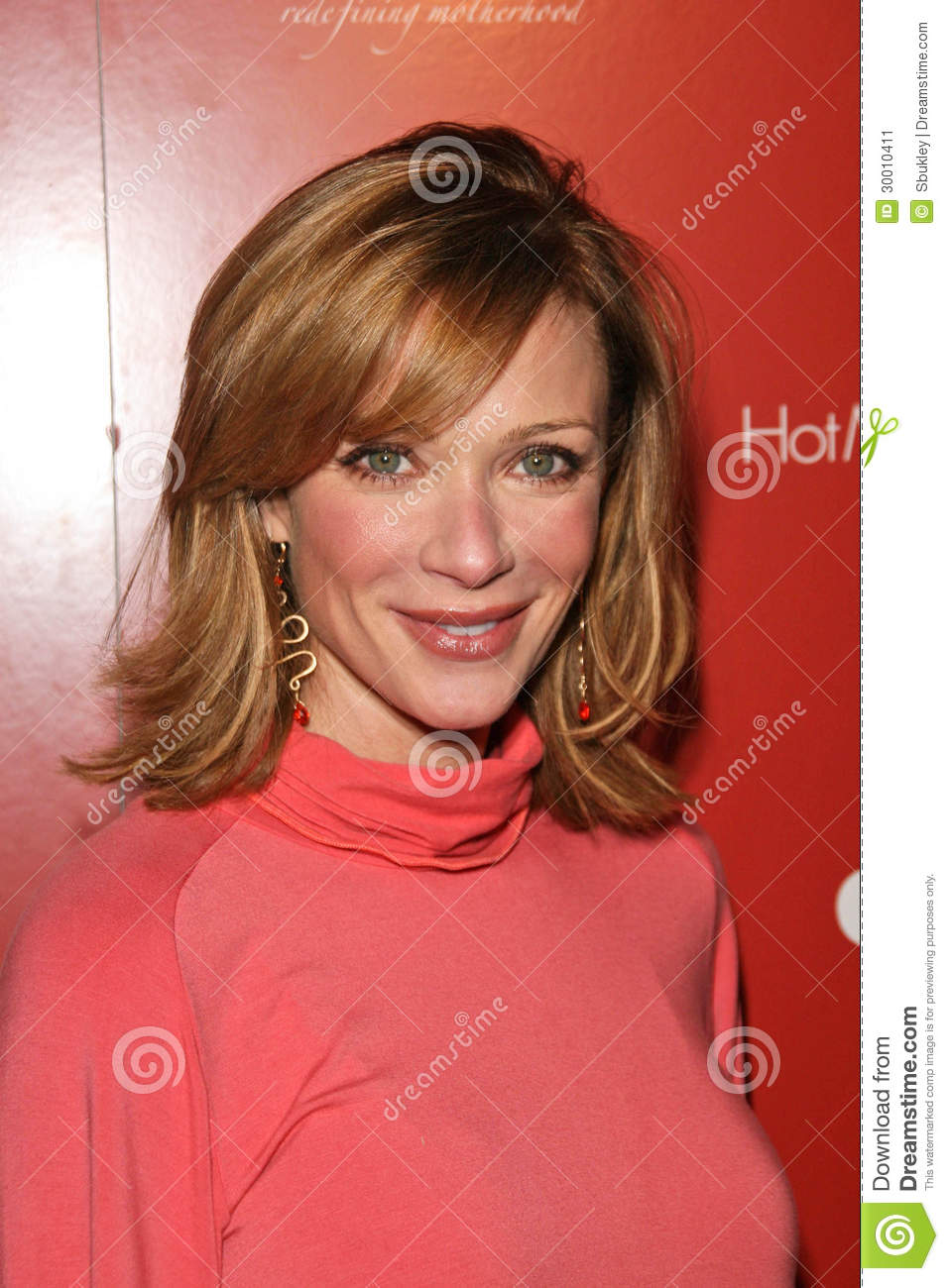 Lauren Holly at the Hot Moms Club Still Thankful Still Giving Charity ...