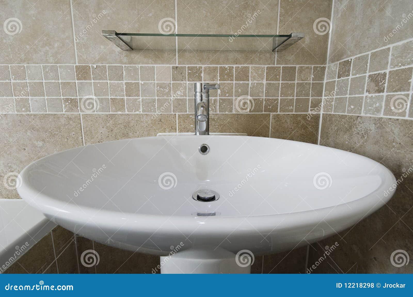 Lavabo de colada grande de la mano for Lavabo de manos