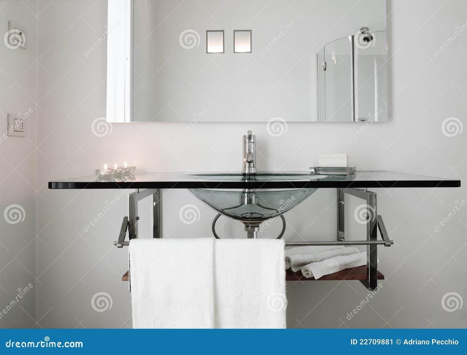 lavabo en verre moderne image stock image 22709881. Black Bedroom Furniture Sets. Home Design Ideas