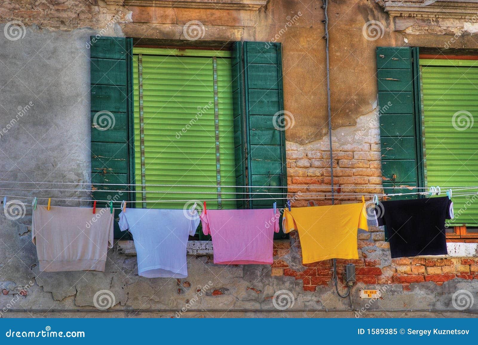 Lavanderia di secchezza nello stile di Venezia.