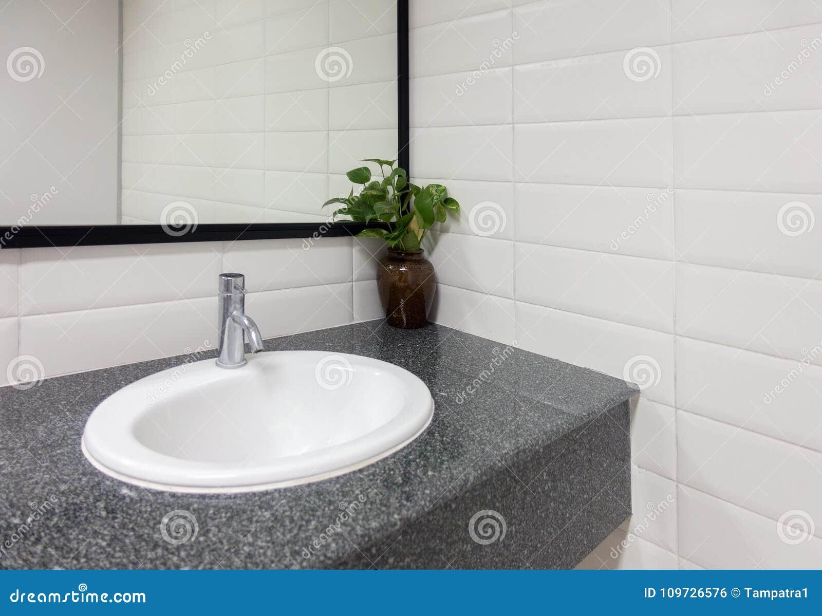 Lavandino ceramico specchio moderno del bagno del lavandino
