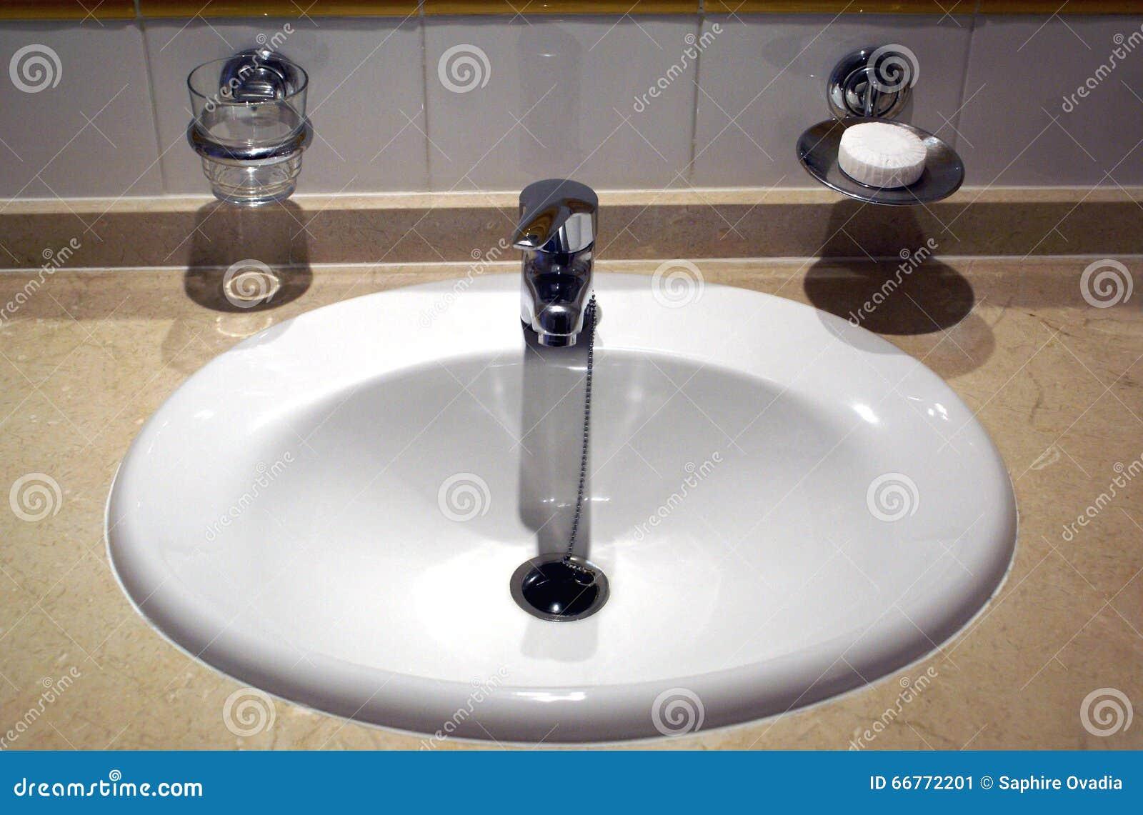 Lavandino bagno - Tazza del bagno ...