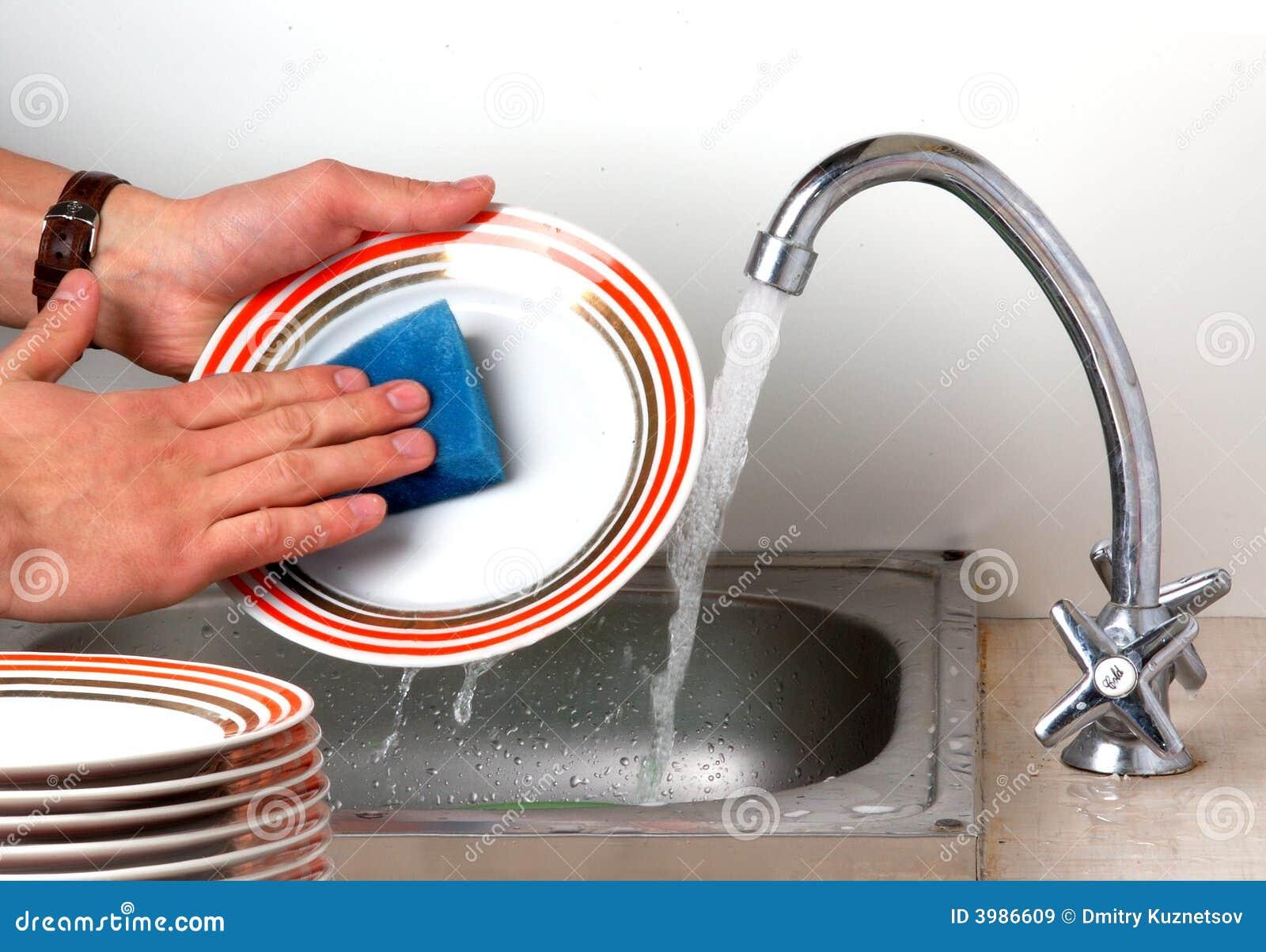 Lavando os pratos