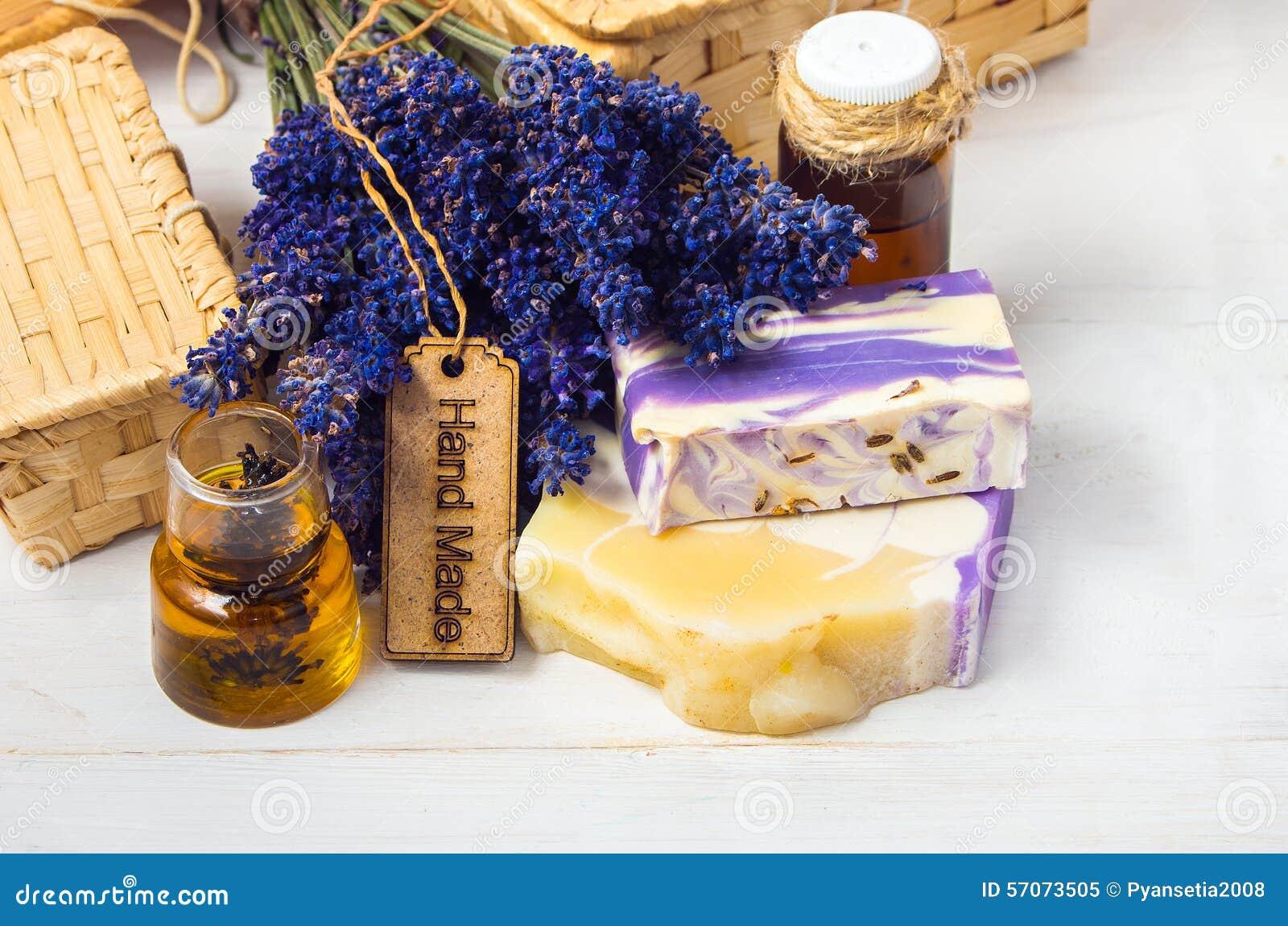 Lavendel met de hand gemaakte zeep, olie