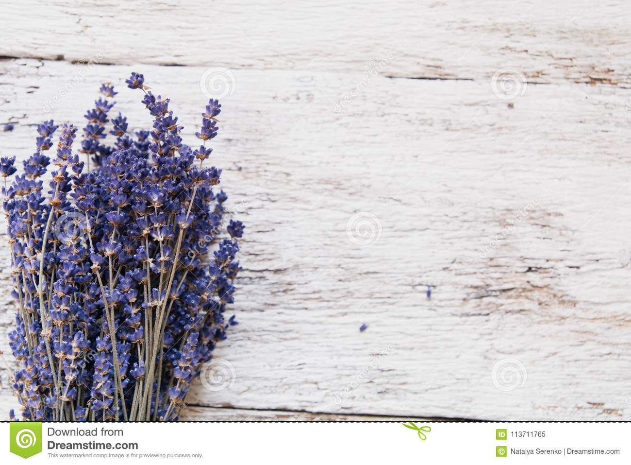 Lavender Flowers Bouquet On Rustic Background Overhead Stock Image Image Of Rustic Green 113711765