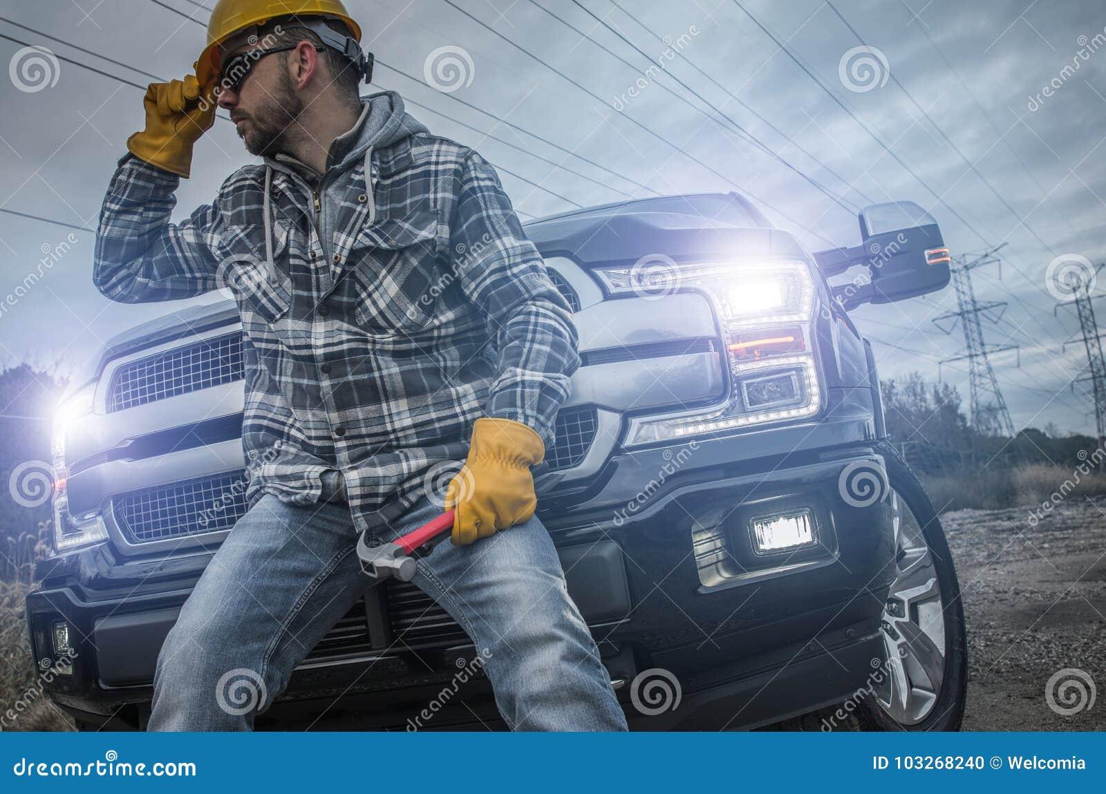 Lavoratore dell appaltatore che prende rottura