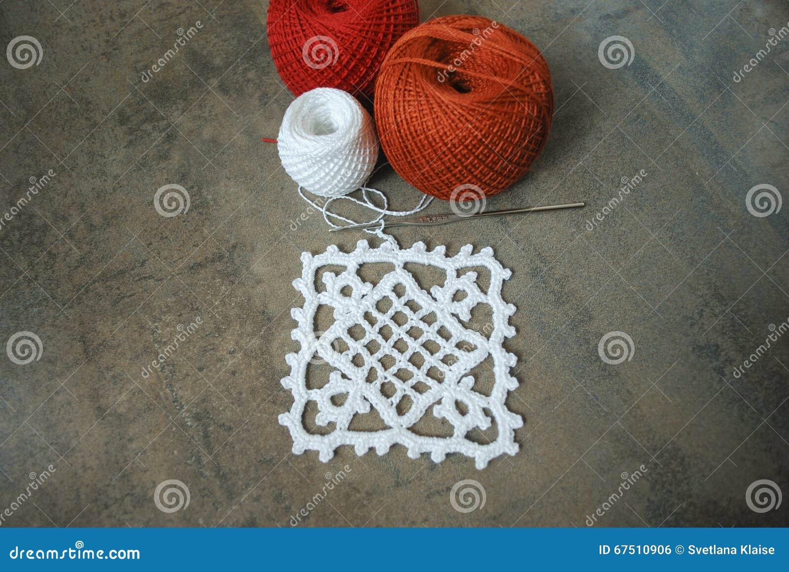 Lavori all 39 uncinetto il campione per la tovaglia o il for Lavori all uncinetto per altari