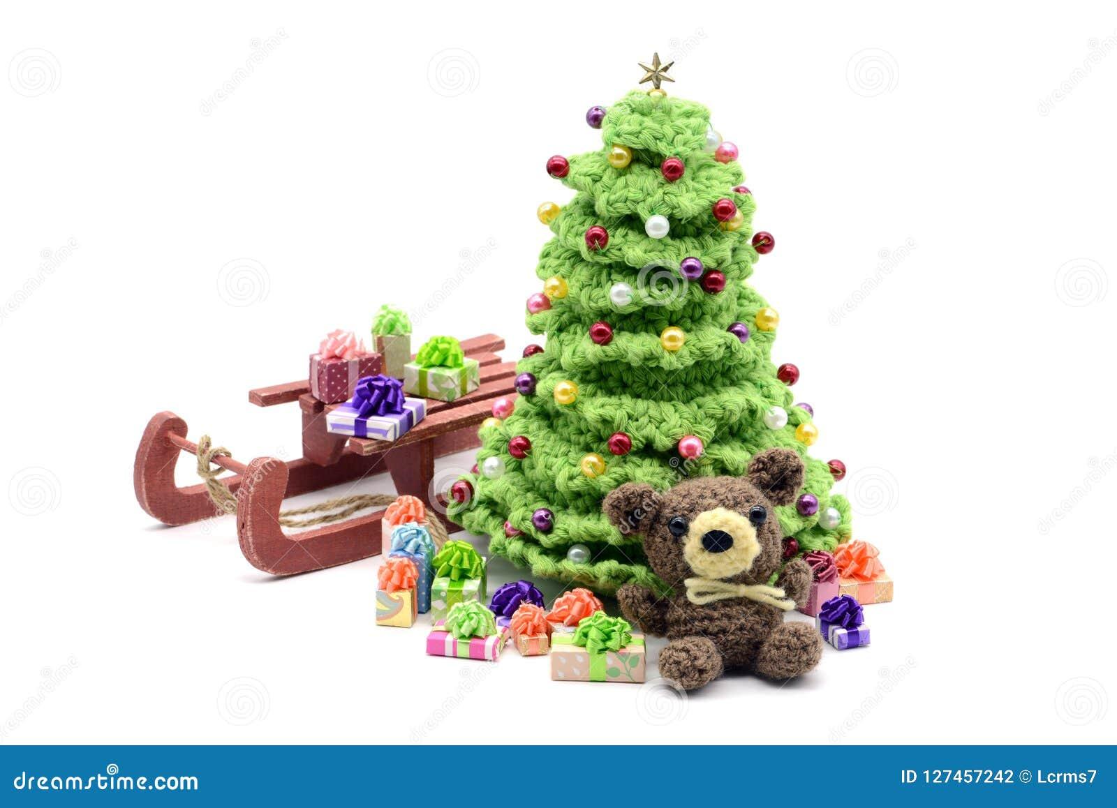 Regali Di Natale Alluncinetto.Lavori All Uncinetto L Albero Di Natale E L Orsacchiotto Con I