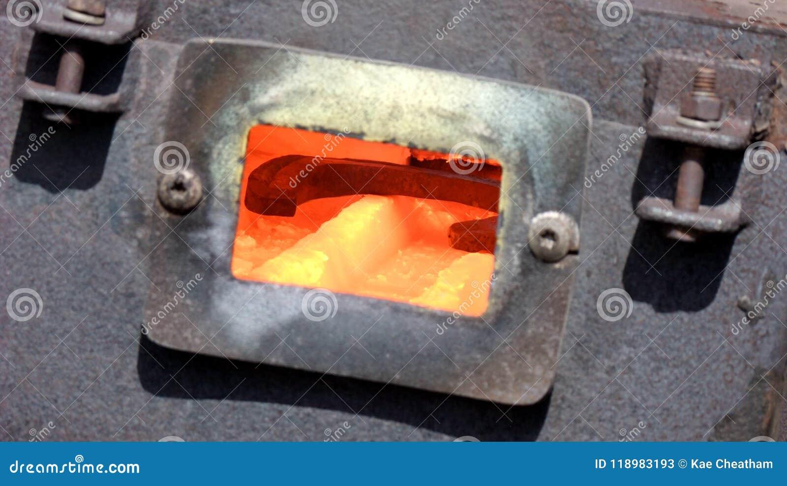 super popolare 7ad1a f1163 Lavoro Del Maniscalco: Forgia Per Le Scarpe Di Riscaldamento ...