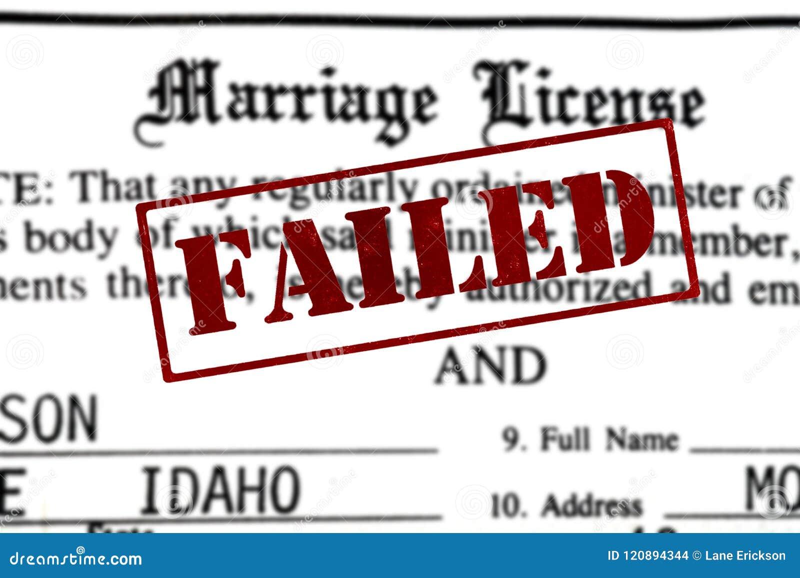 Lavoro di ufficio di certificazione del certificato di matrimonio per il nuziale con la F
