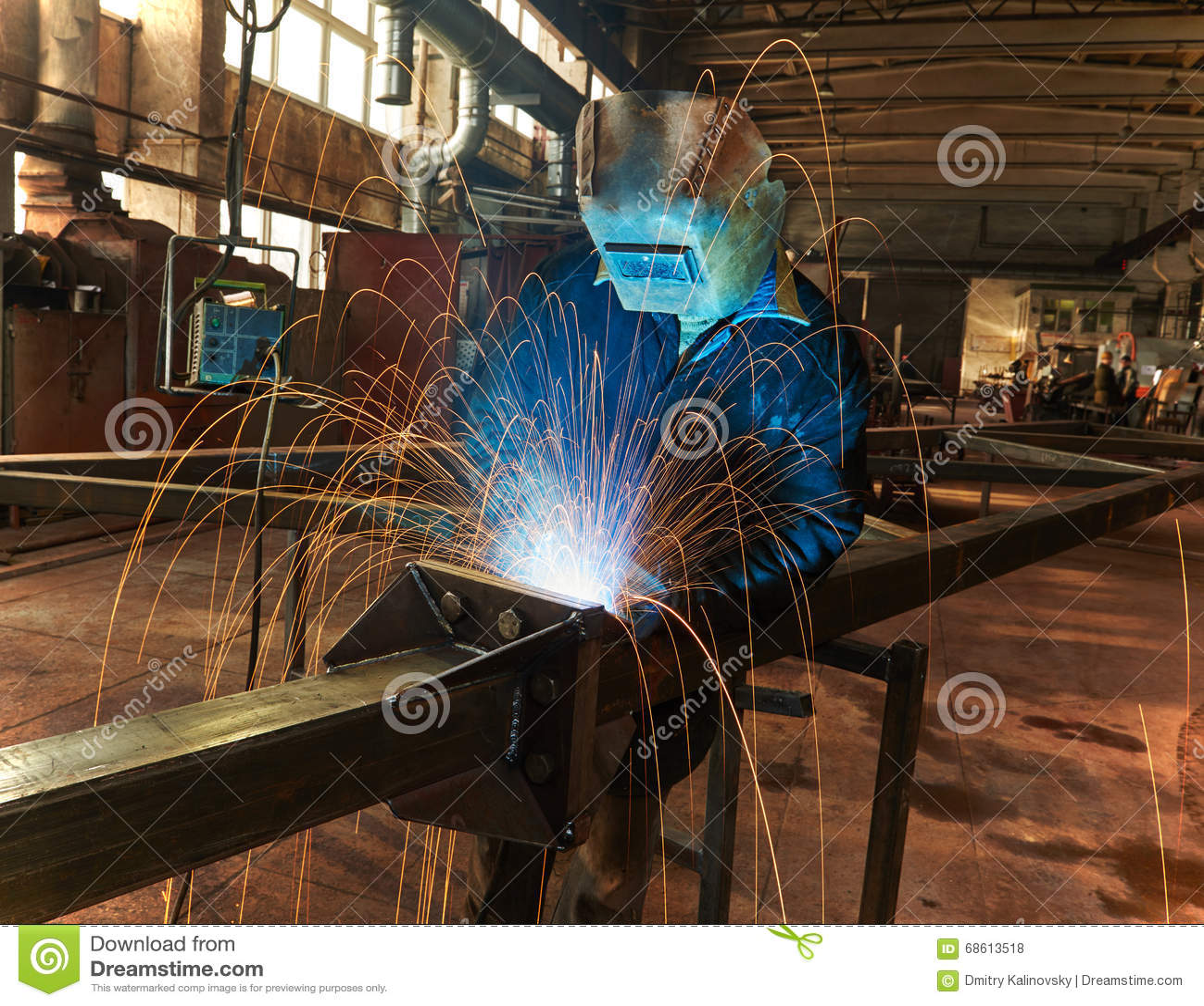 Lavoro industriale della saldatura ad arco