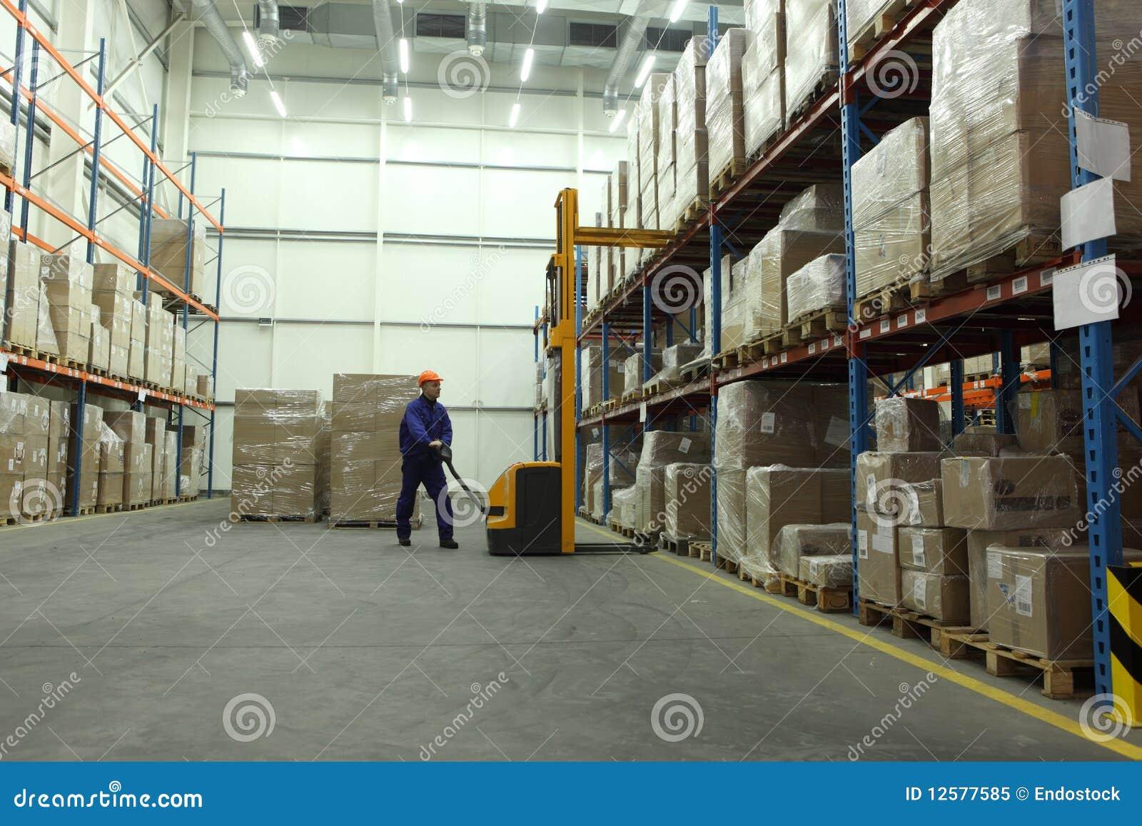 Lavoro in magazzino