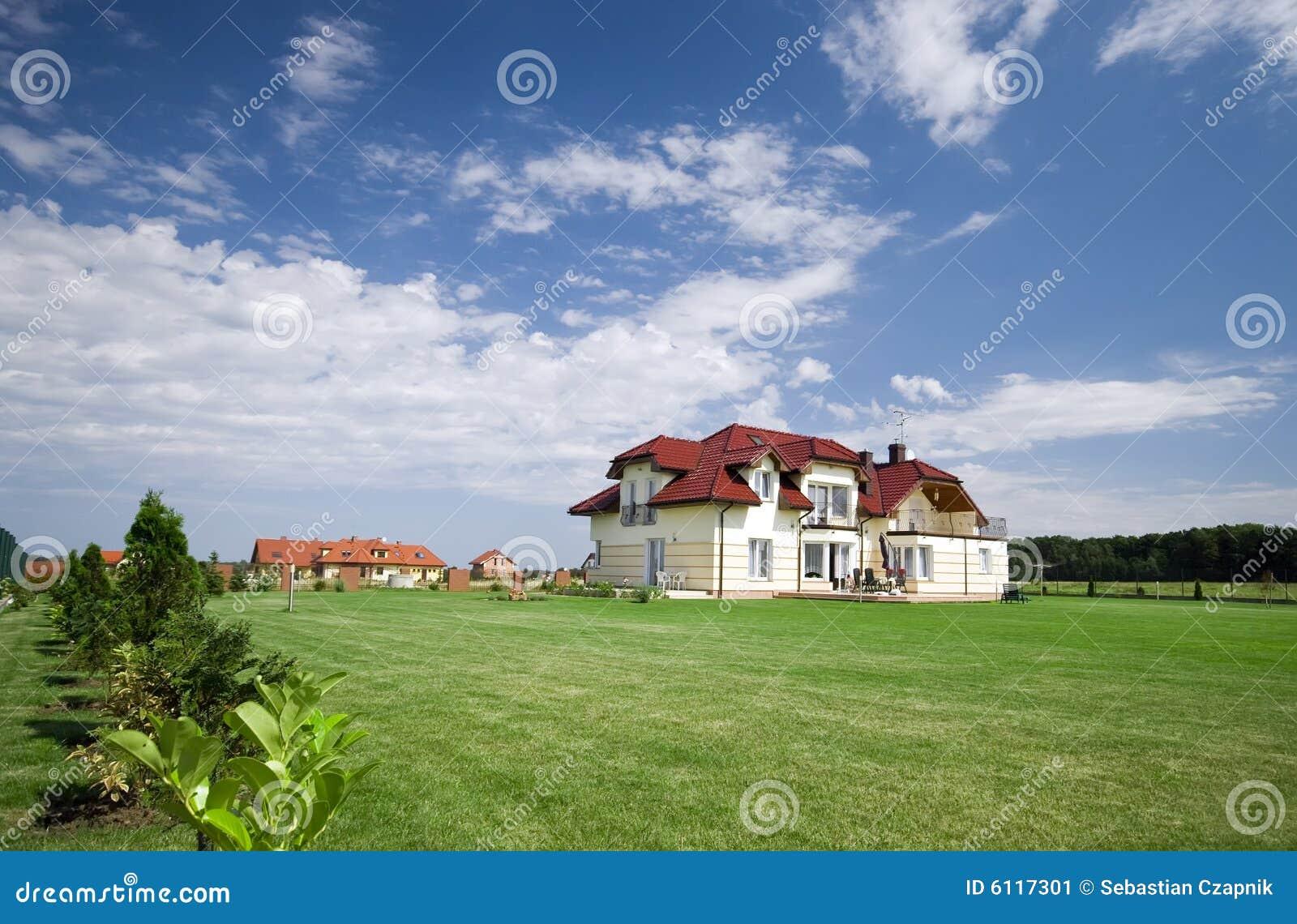 Lawn för grönt hus