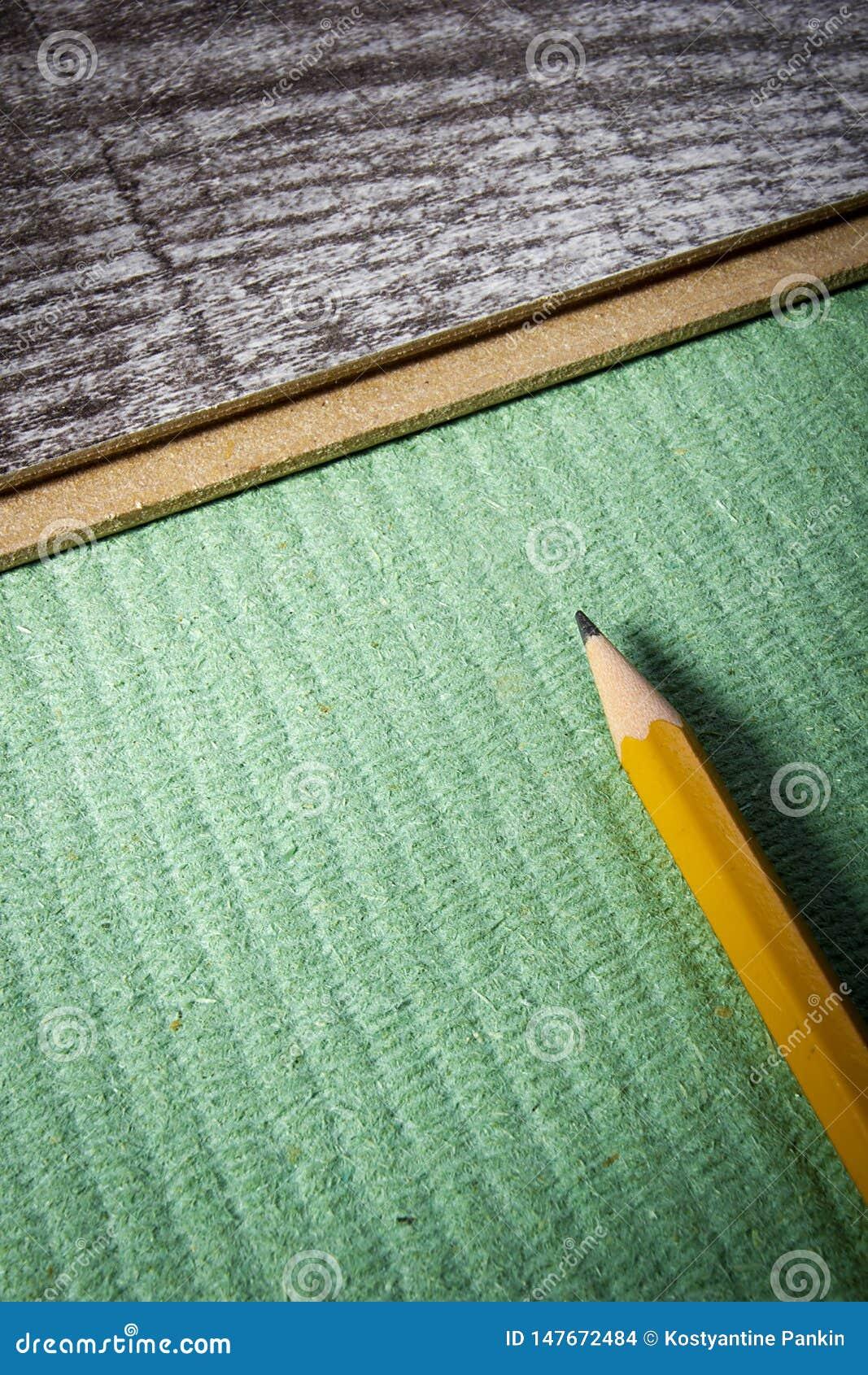 Laying laminate flooring