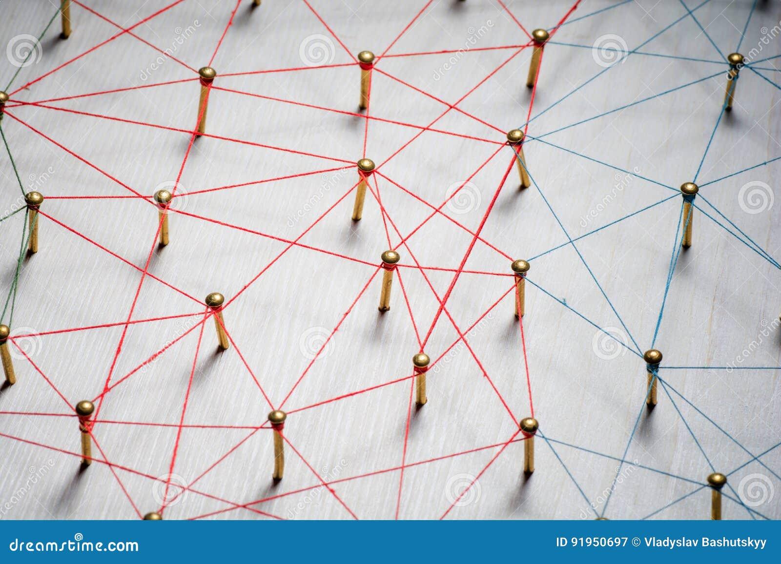 Lazo de entidades Red, establecimiento de una red, medio social, extracto de la comunicación de Internet Un pequeño conectado con