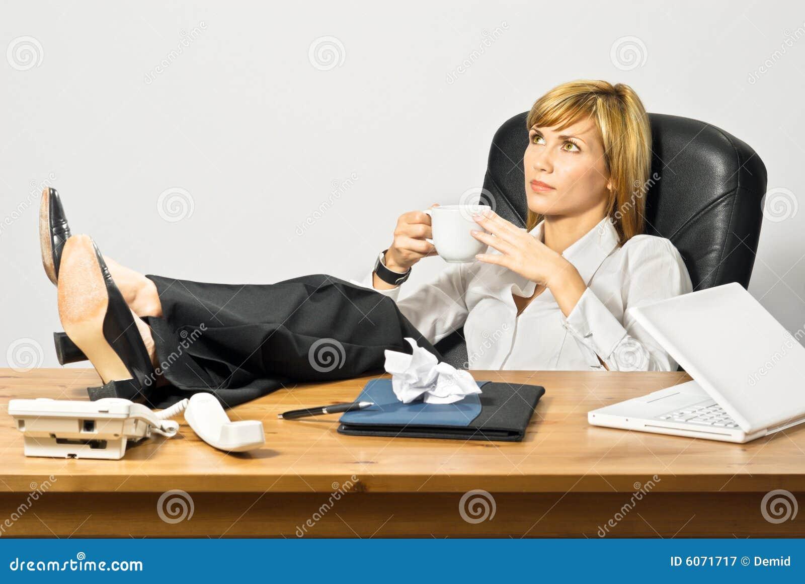 lazy female manager - photo #8