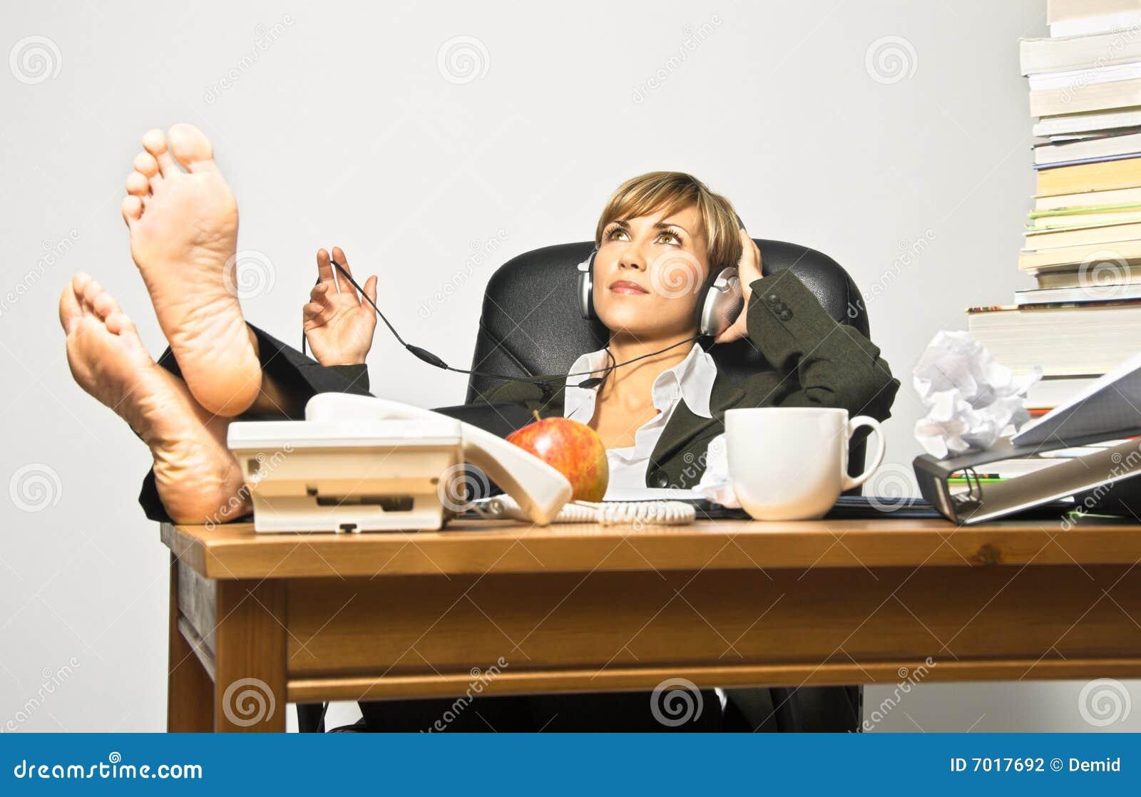 lazy female manager - photo #5