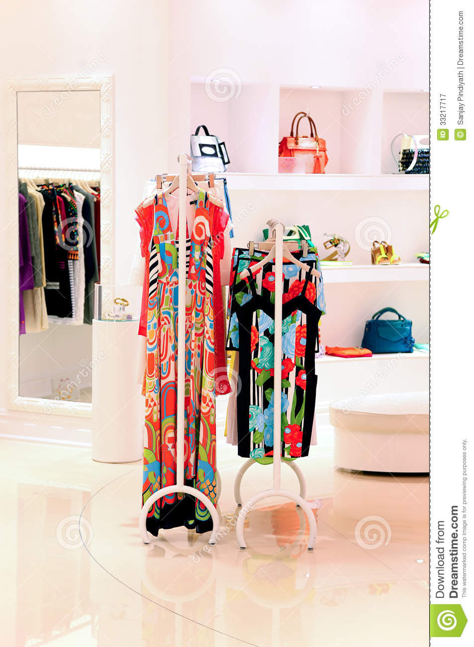 Girl clothes stores. Cheap clothing stores
