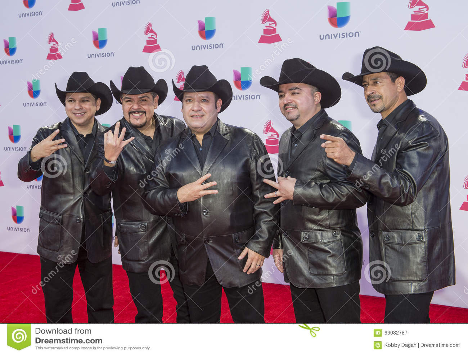 Download Le 16ème Grammy Awards Latin Annuel Photographie éditorial - Image du rouge, artiste: 63082787