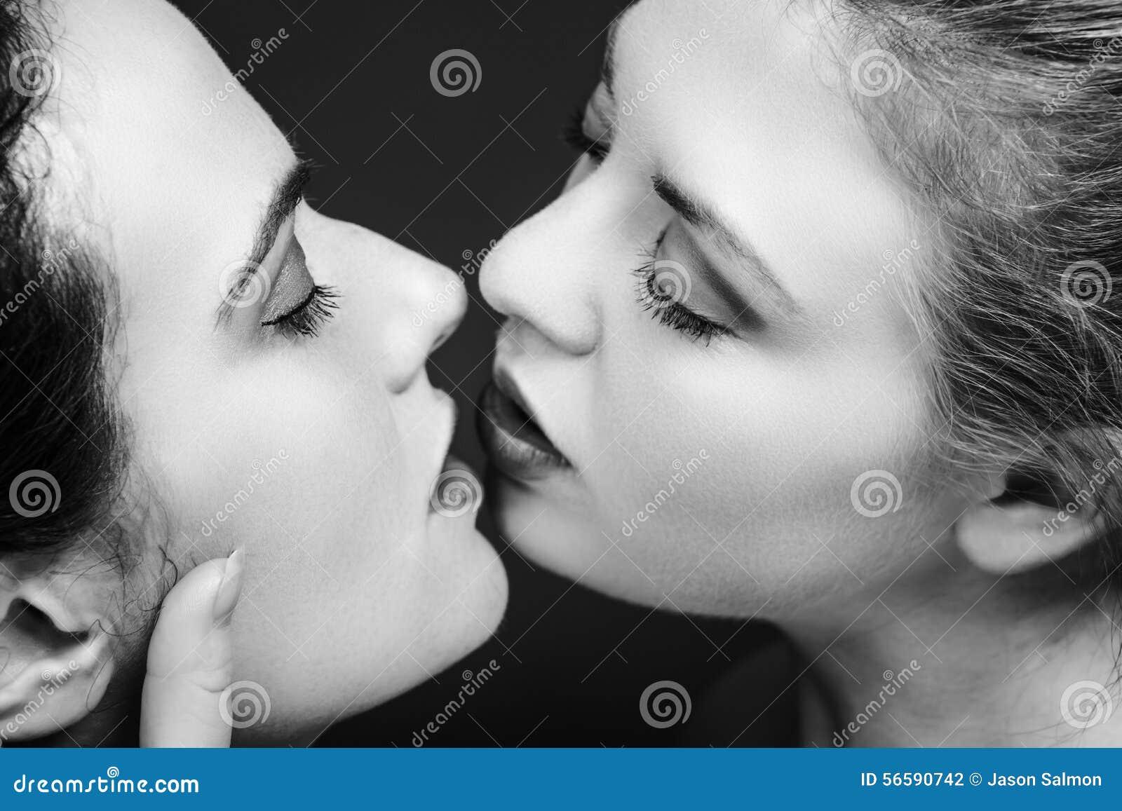 noir et blanc lesbiennes baiser gratuit jeune adolescent sexe films