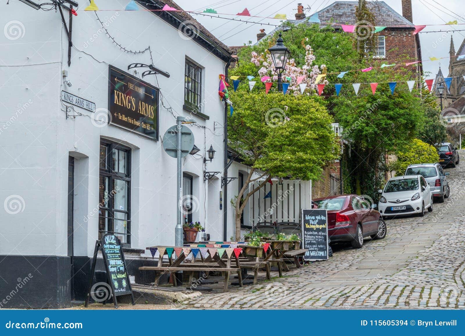 Le bar des Rois Arms, Arundel, le Sussex occidental