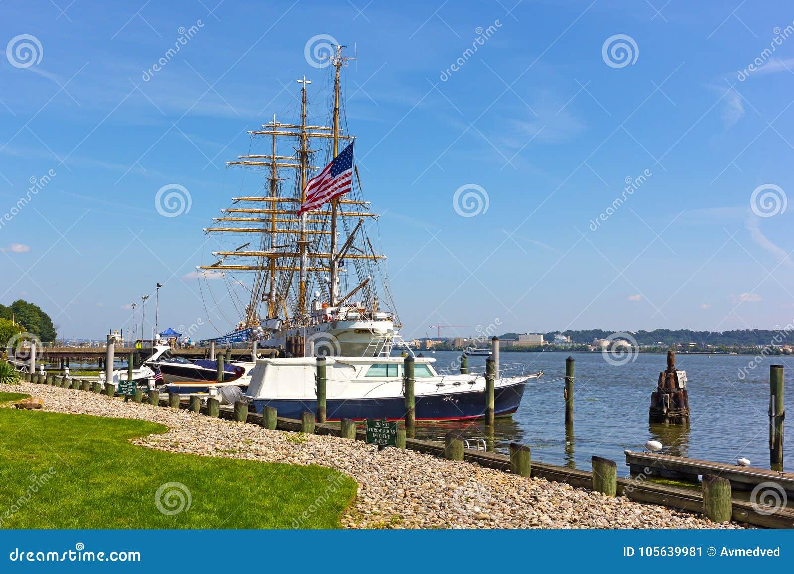 Le bateau grand d Eagle de coupeur visite l Alexandrie, VA