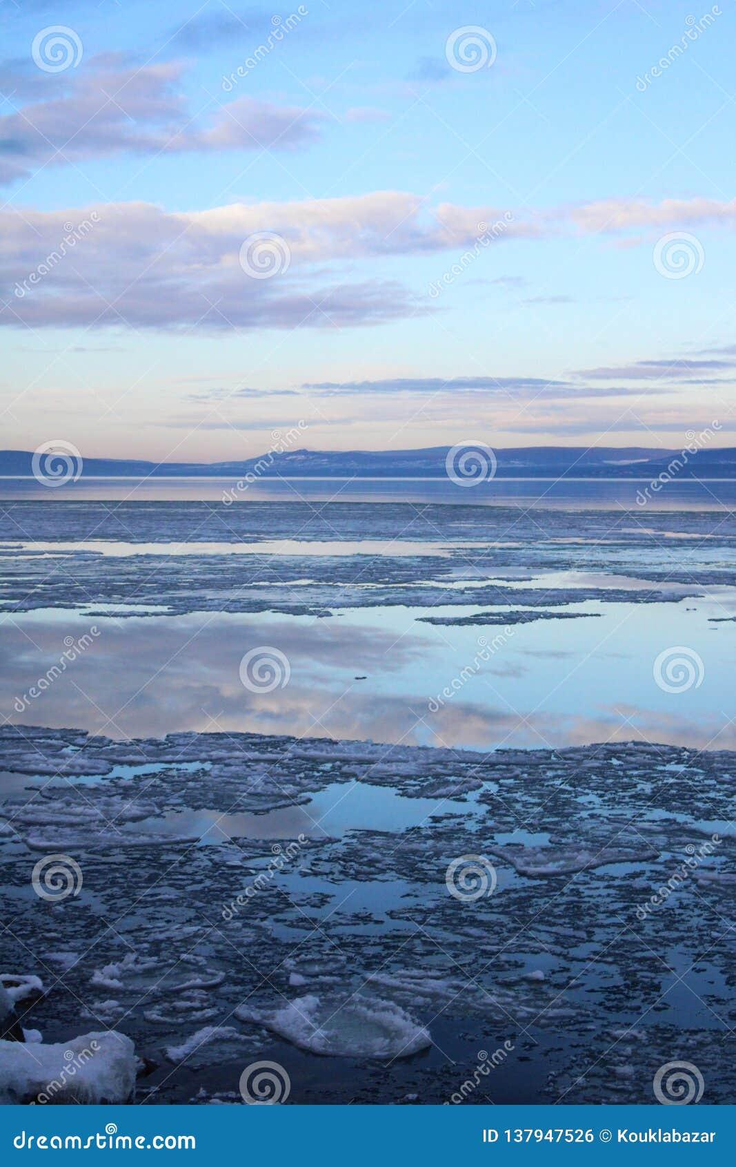Le beau, congelé Lac Balaton