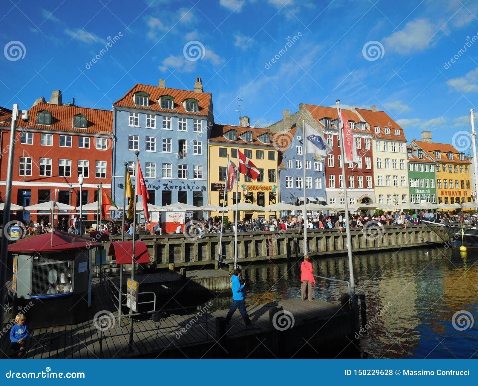 Le beau Nyhavn à Copenhague